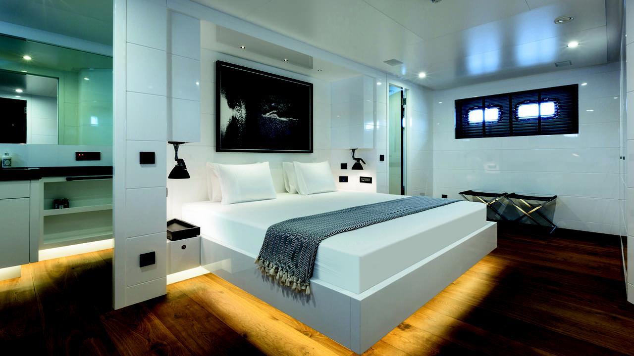 alyssa-motor-yacht-tansu-2014-39m-suite