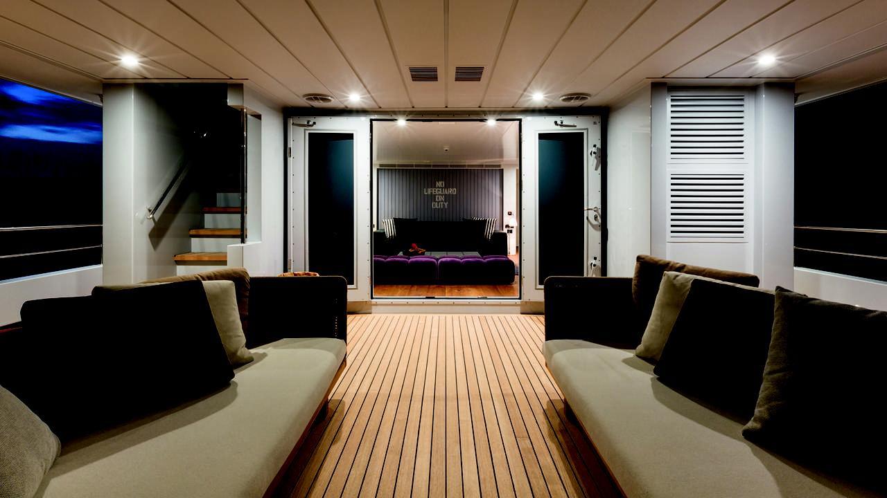 alyssa-motor-yacht-tansu-2014-39m-deck