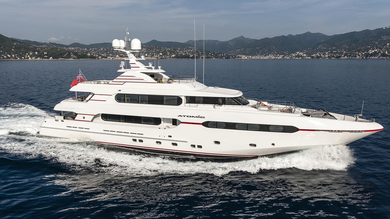 atomic-motor-yacht-sunrise-2014-45m-cruising