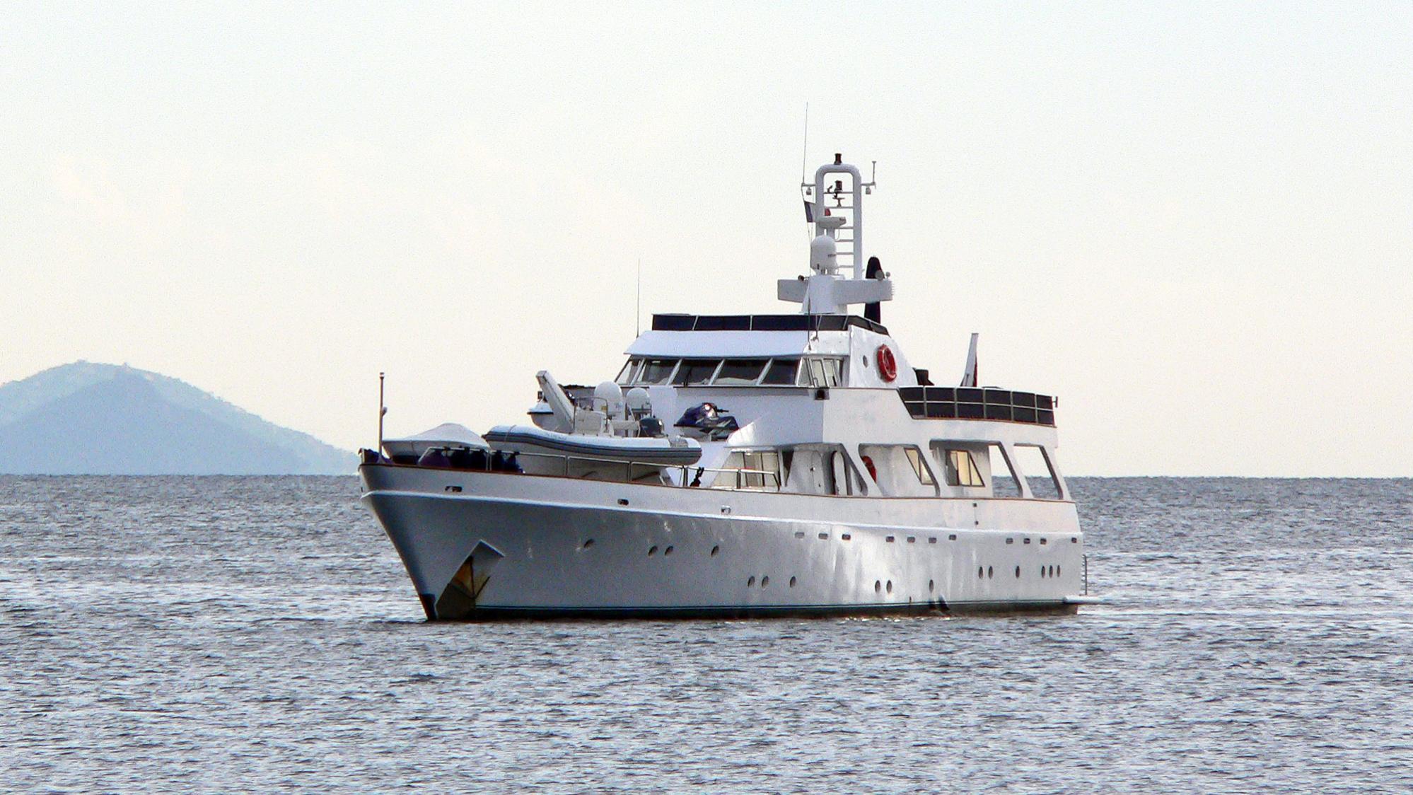 nomad-motor-yacht-proteksan-1977-32m-half-profile