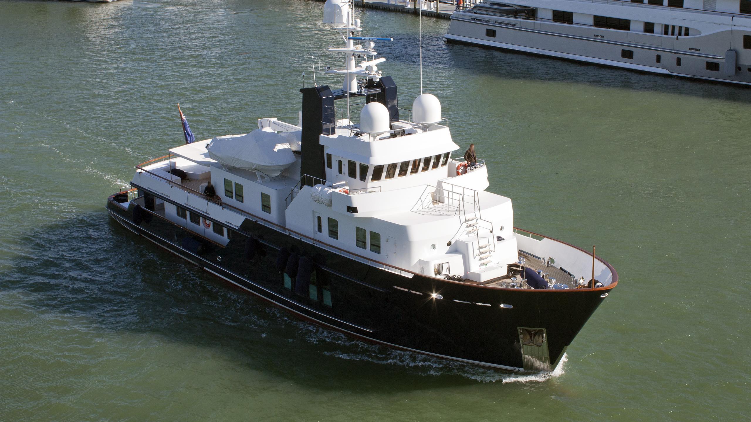 husky-explorer-rh3-motor-yacht-rmk-bradford-120-2003-37m-aerial
