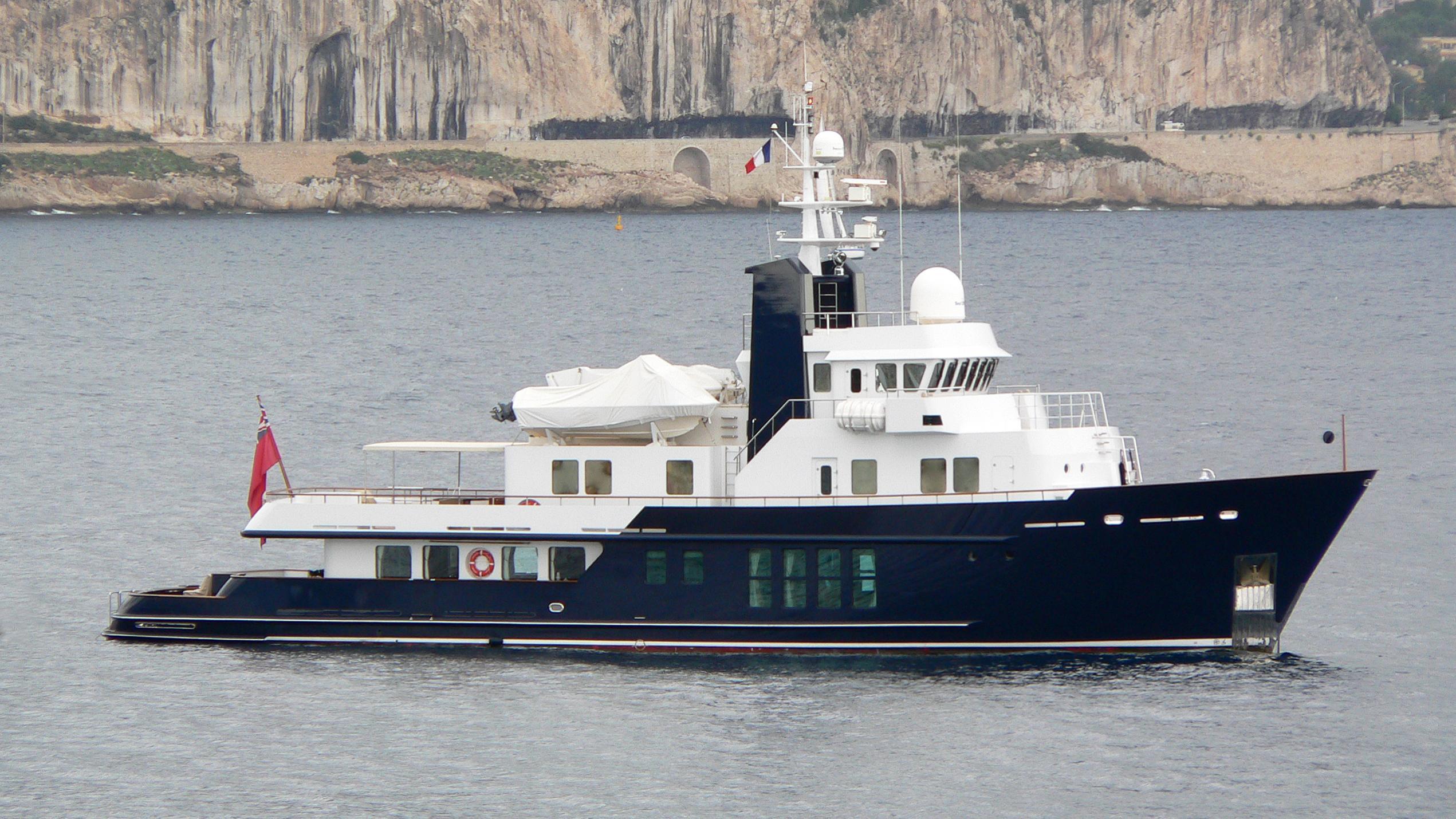 husky-explorer-rh3-motor-yacht-rmk-bradford-120-2003-37m-profile