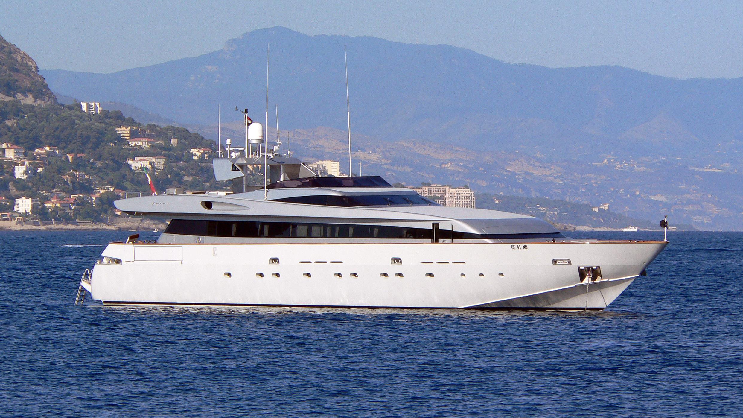 thunderball-motor-yacht-baglietto-2001§-34m-half-profile-before-refit