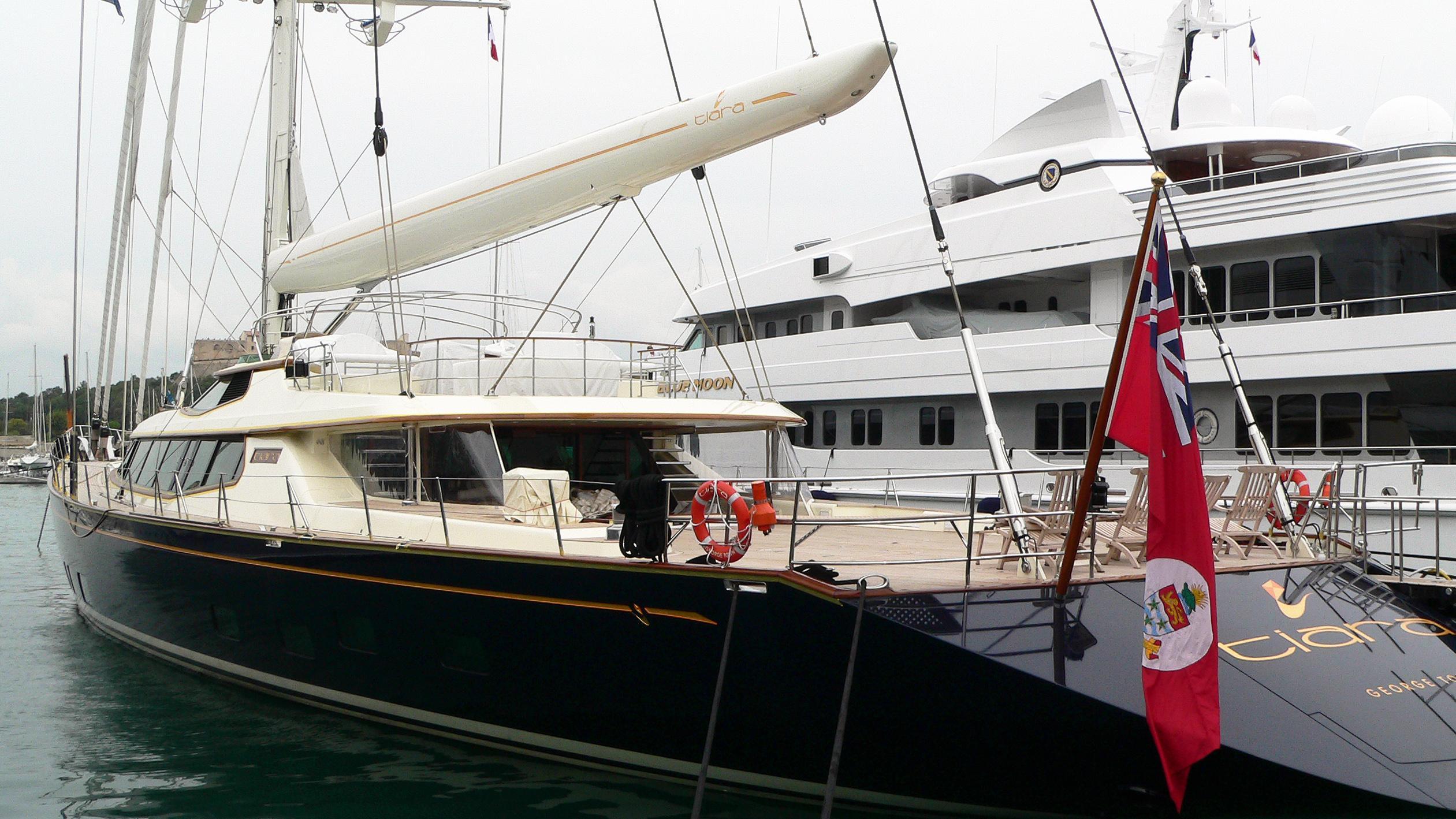 tiara-sailing-yacht-alloy-2004-54m-stern-moored