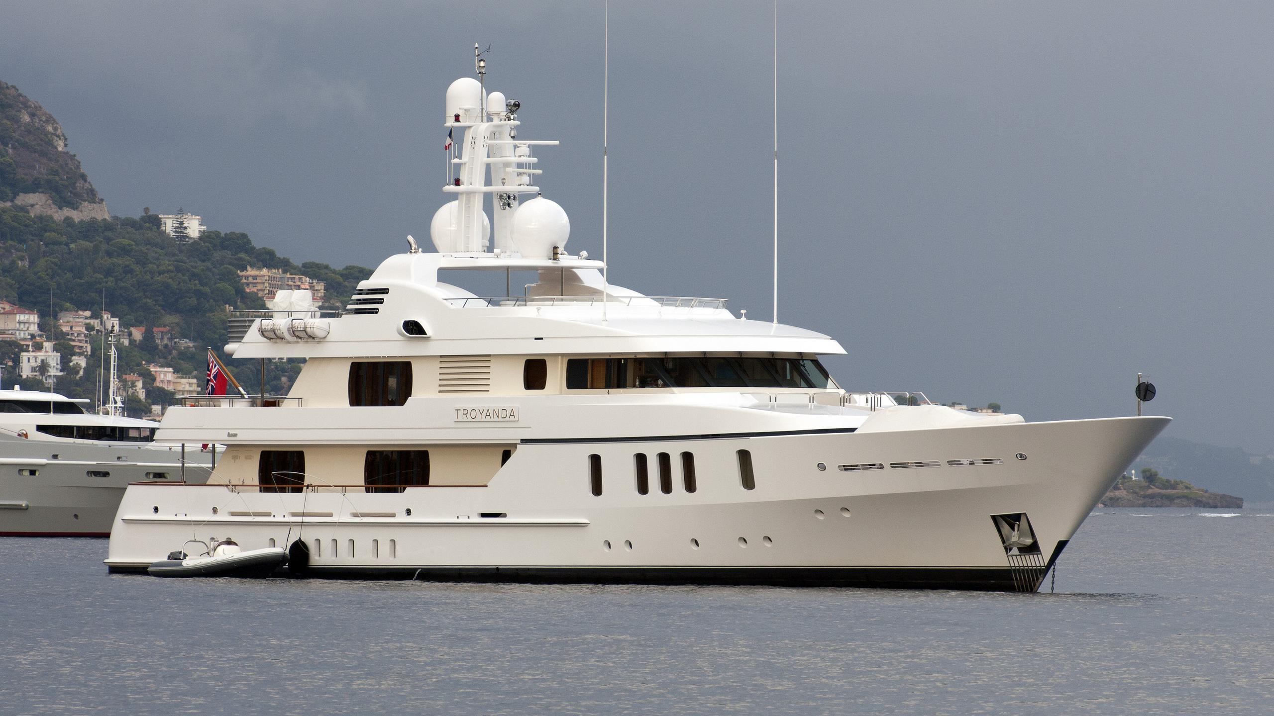 hanikon-troyanda-motor-yacht-feadship-2004-50m-moored