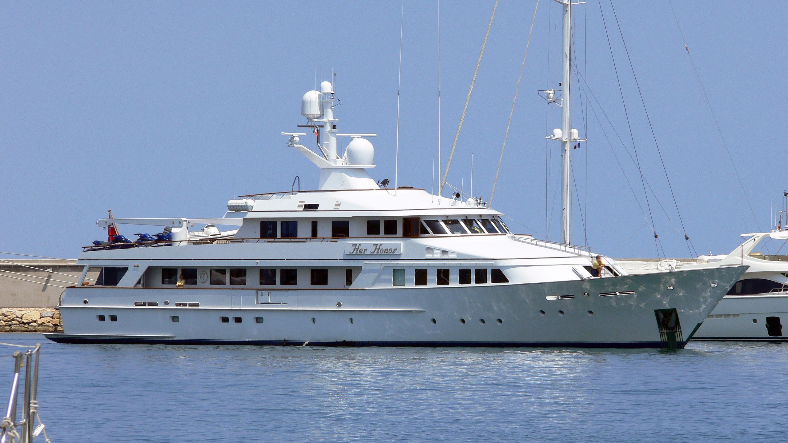 athina-ii-motor-yacht-feadship-1988-45m-profile