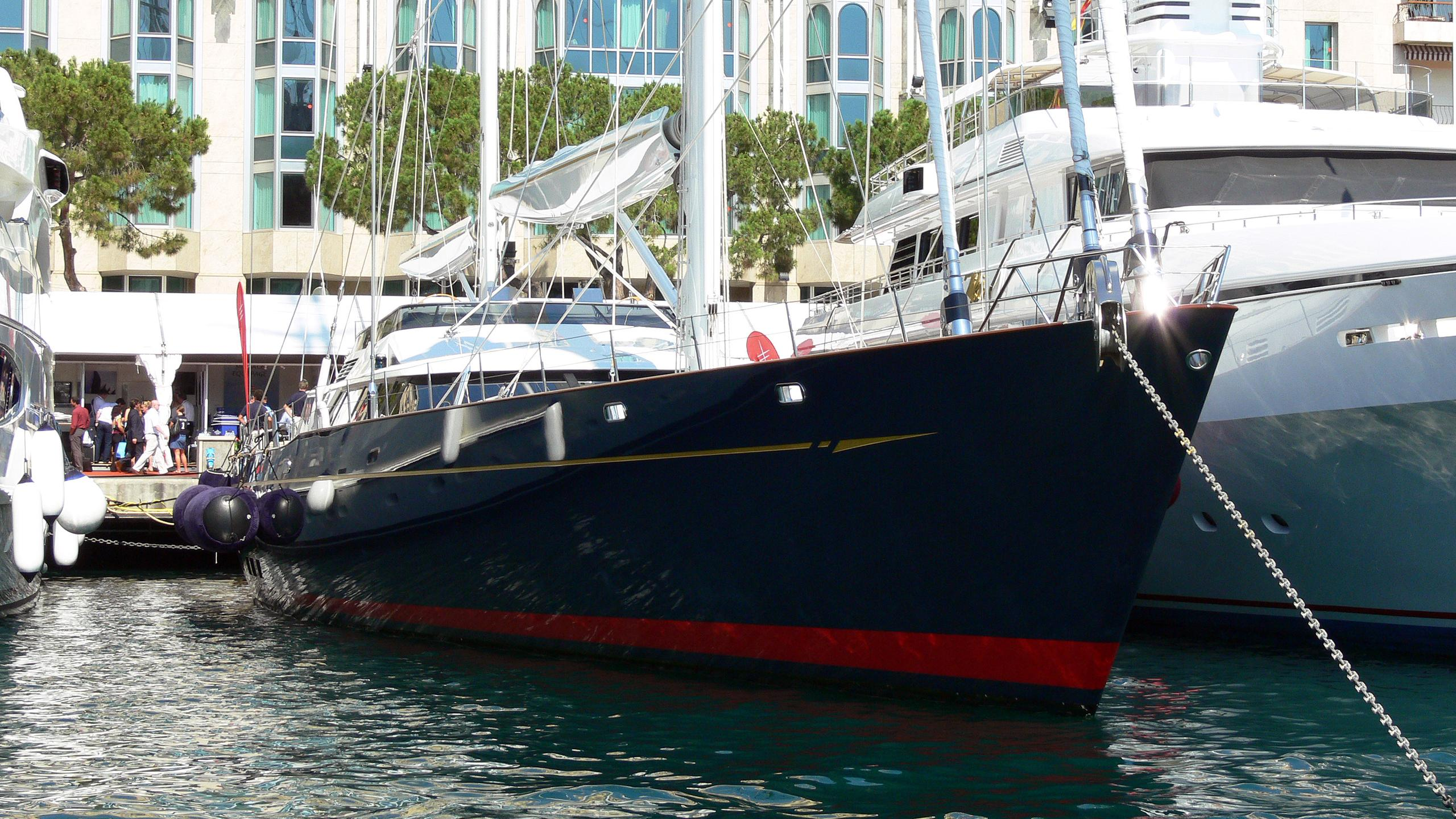 drumbeat-sailing-yacht-alloy-2002-53m-bow