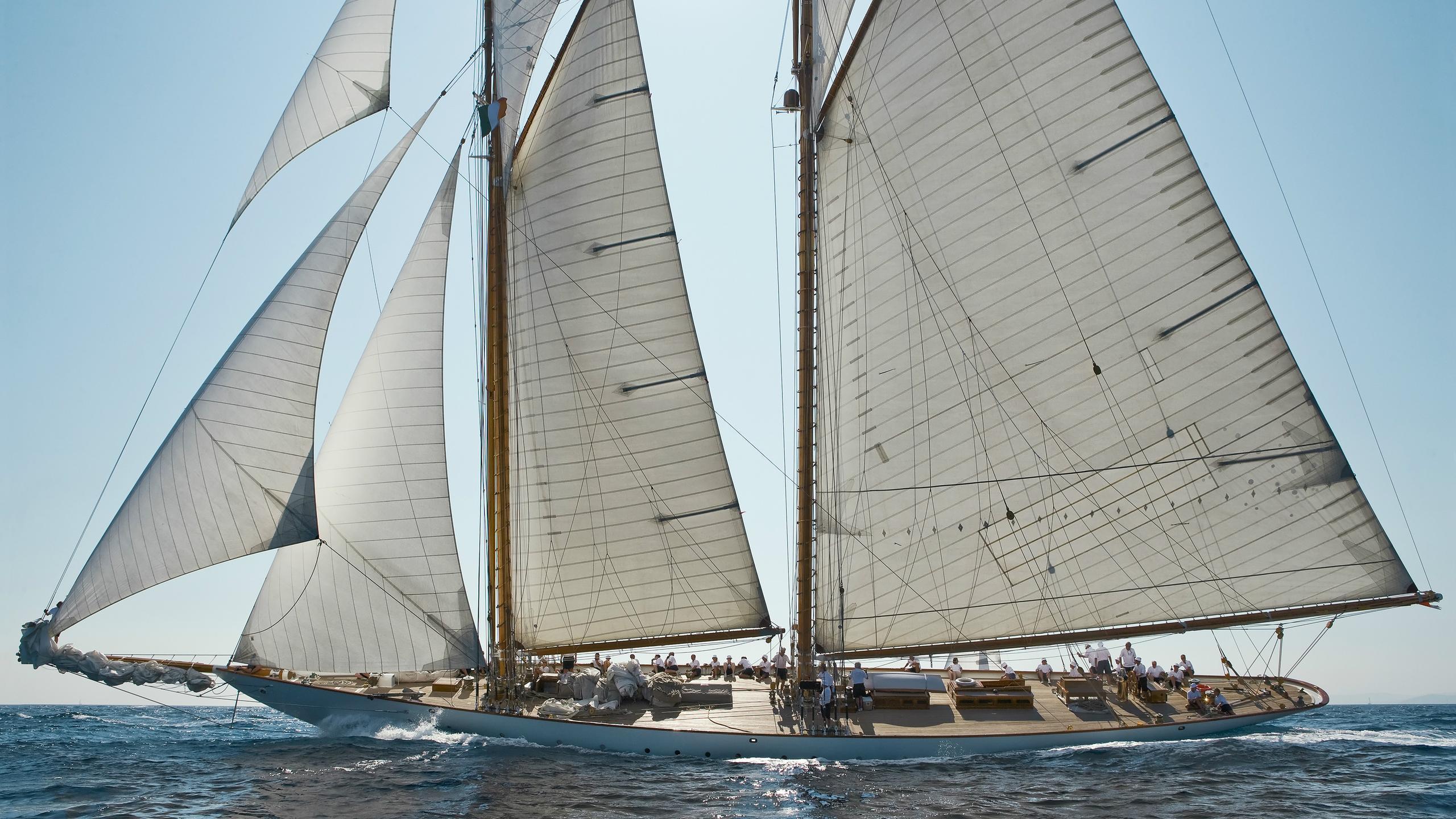 eleonora-e-sailing-yacht-van-der-graaf-2000-59m-profile