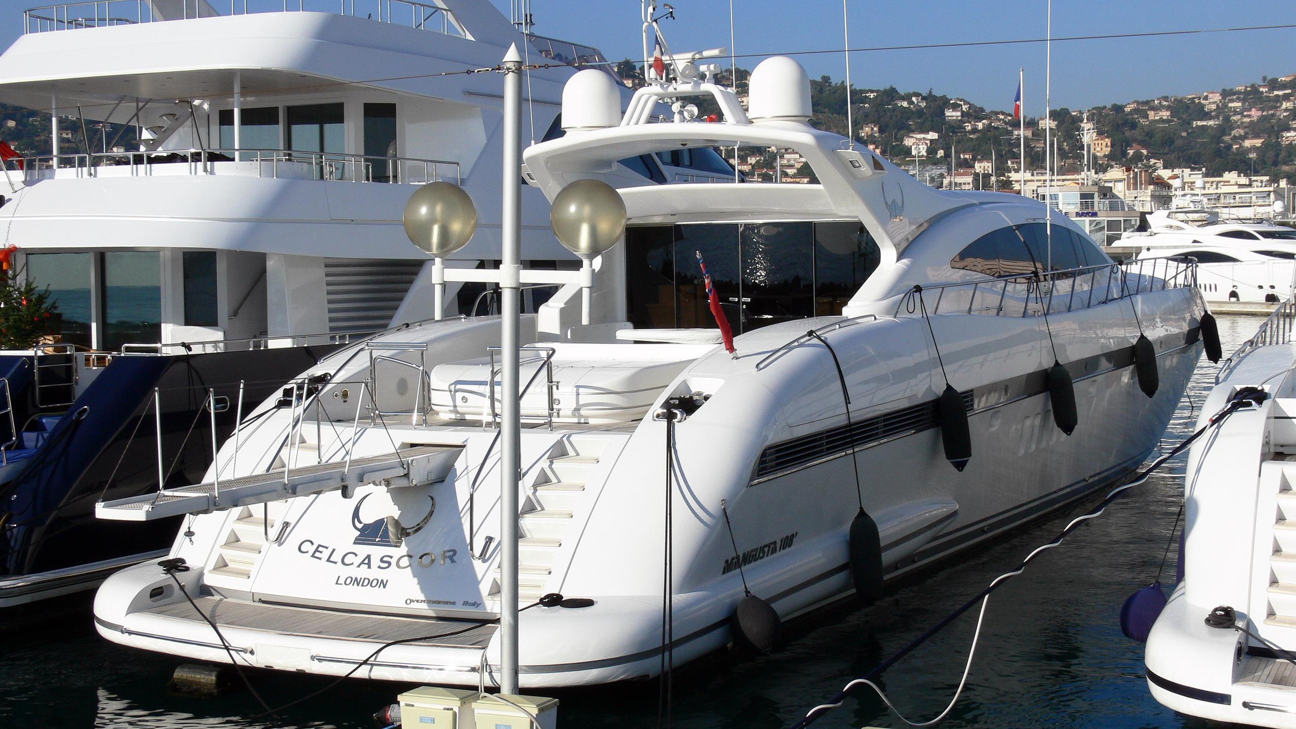 celcascor-motor-yacht-overmarine-mangusta-108-sport-2001-33m-stern