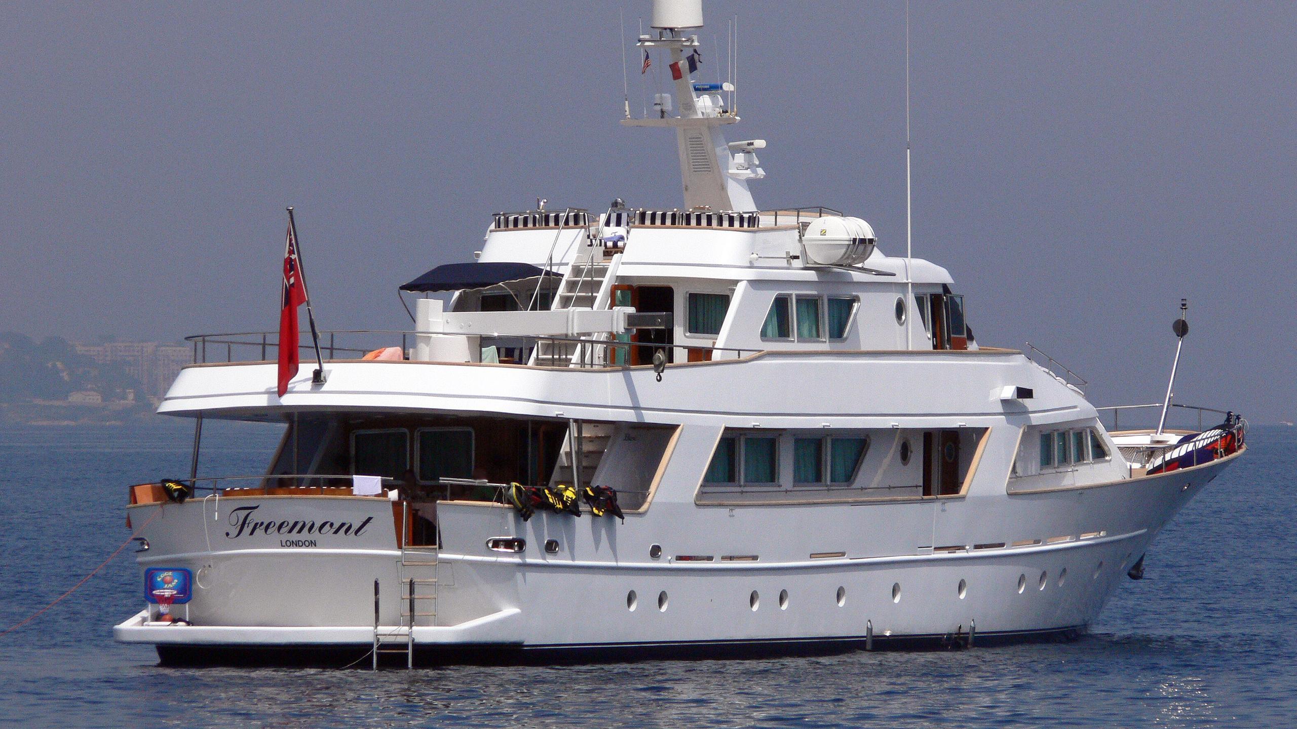 freemont-motor-yacht-benetti-1983-34m-stern