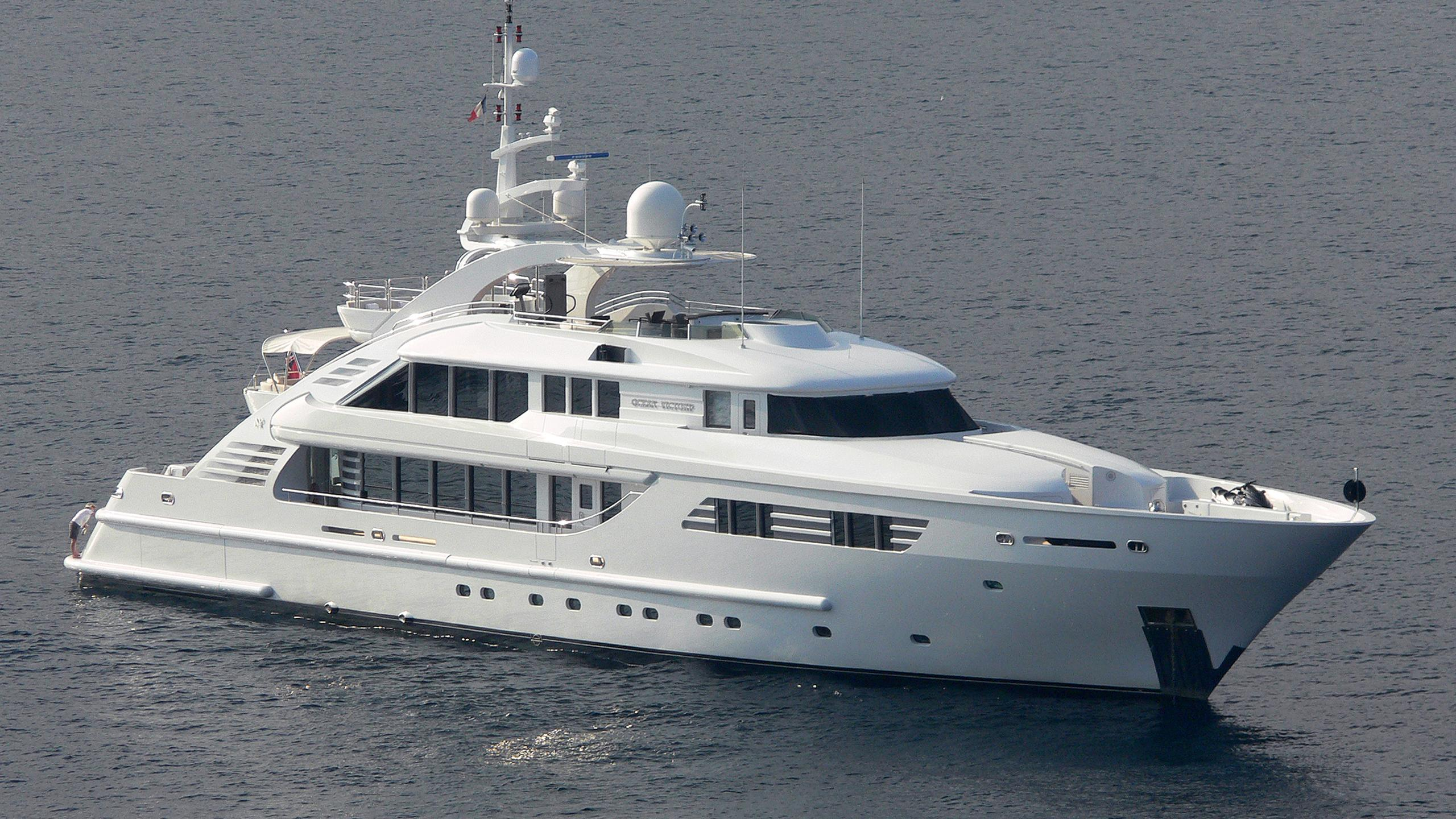 happy-days-motor-yacht-isa-470-2004-47m-half-profile