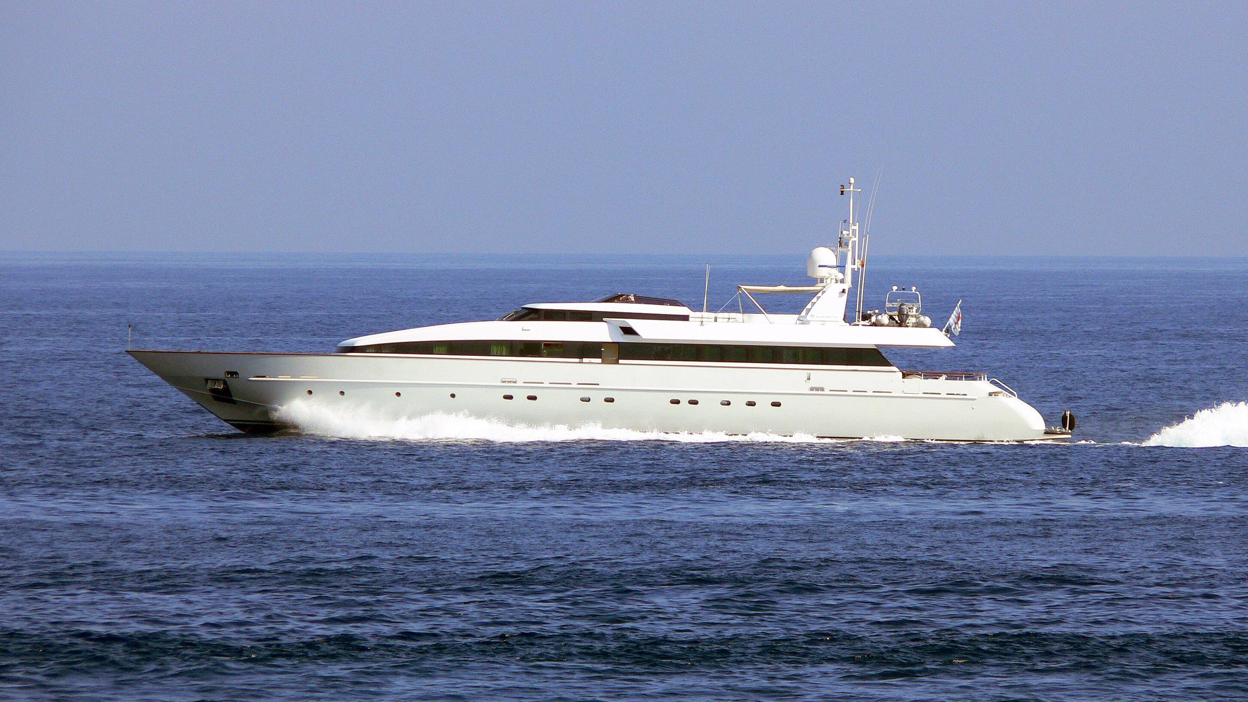 hemilea-motor-yacht-baglietto-1992-41m-cruising-profile