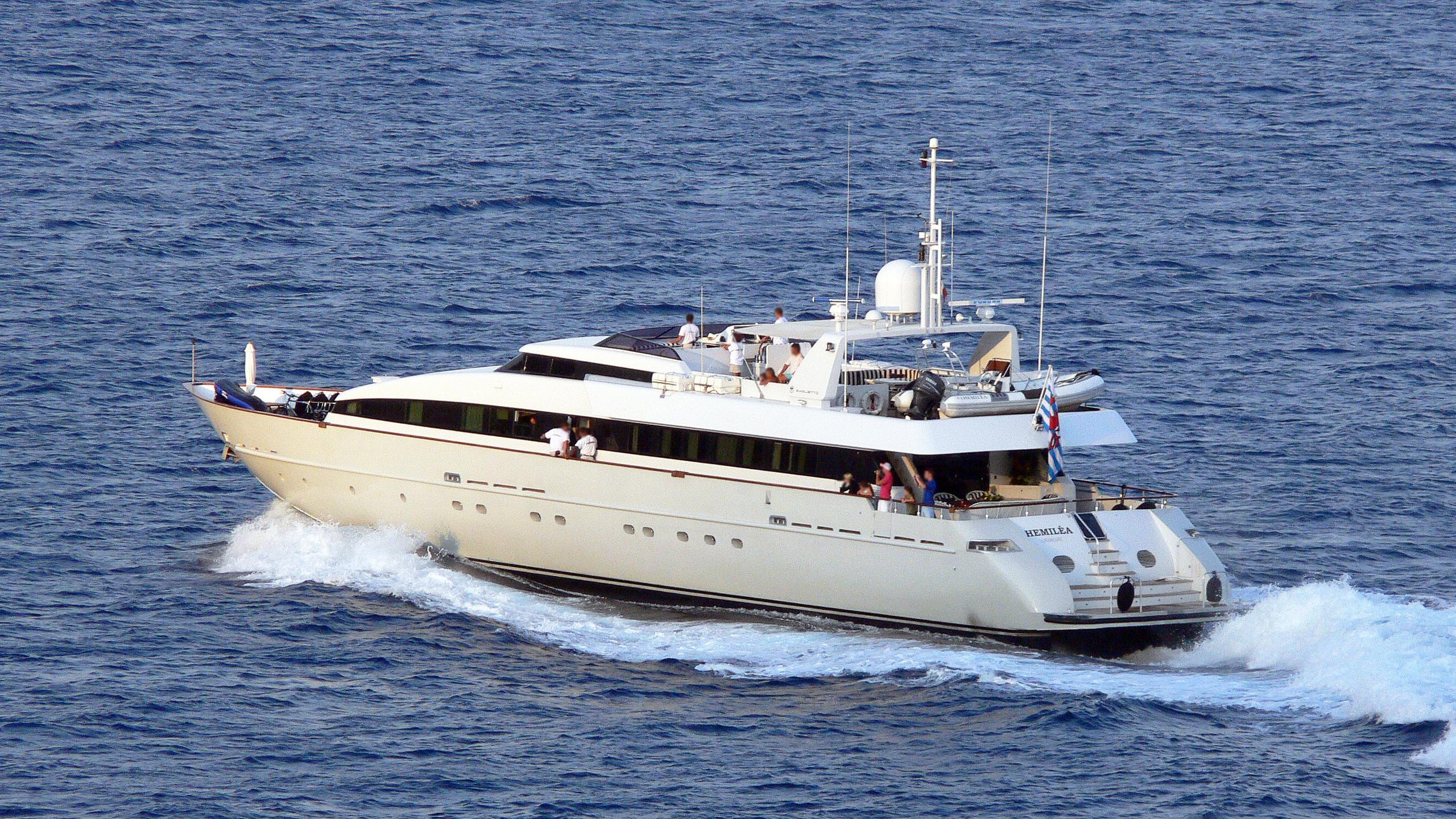 hemilea-motor-yacht-baglietto-1992-41m-cruising-stern