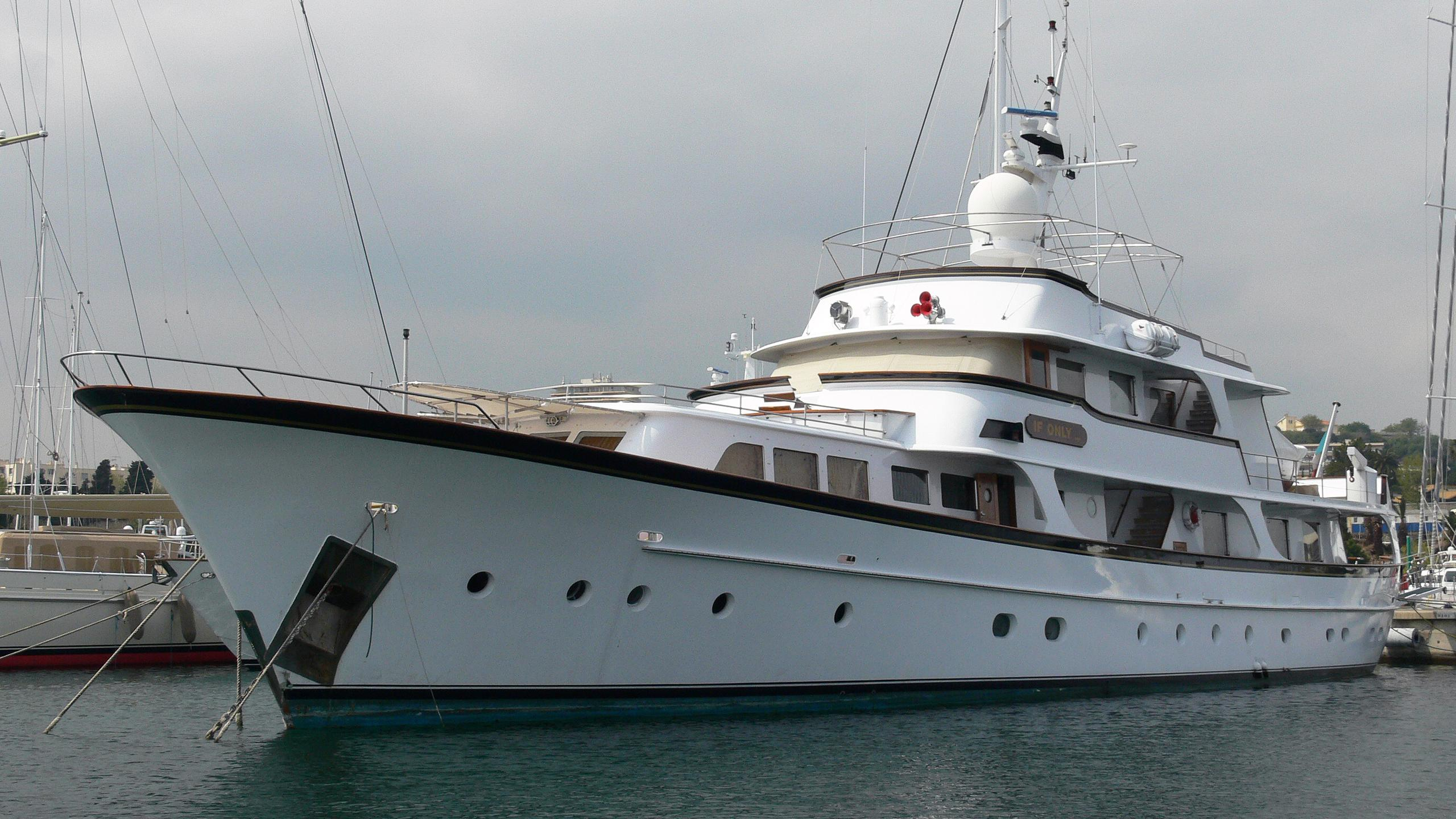 if-only-motor-yacht-feadship-1974-39m-bow
