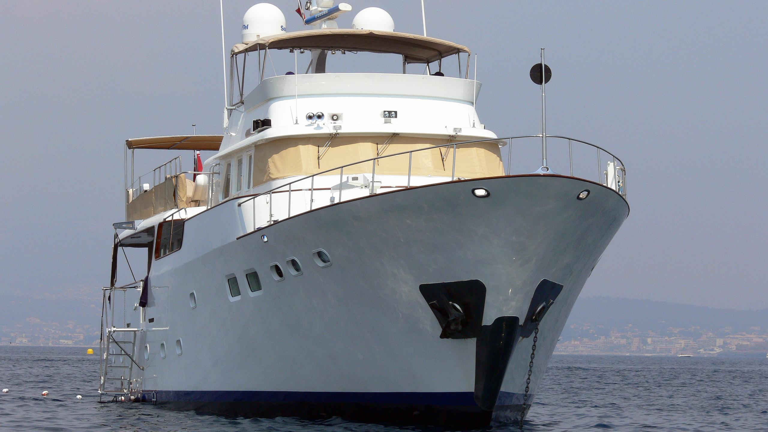 il-odyssey-motor-yacht-benetti-mediterraneo-1967-33m-bow