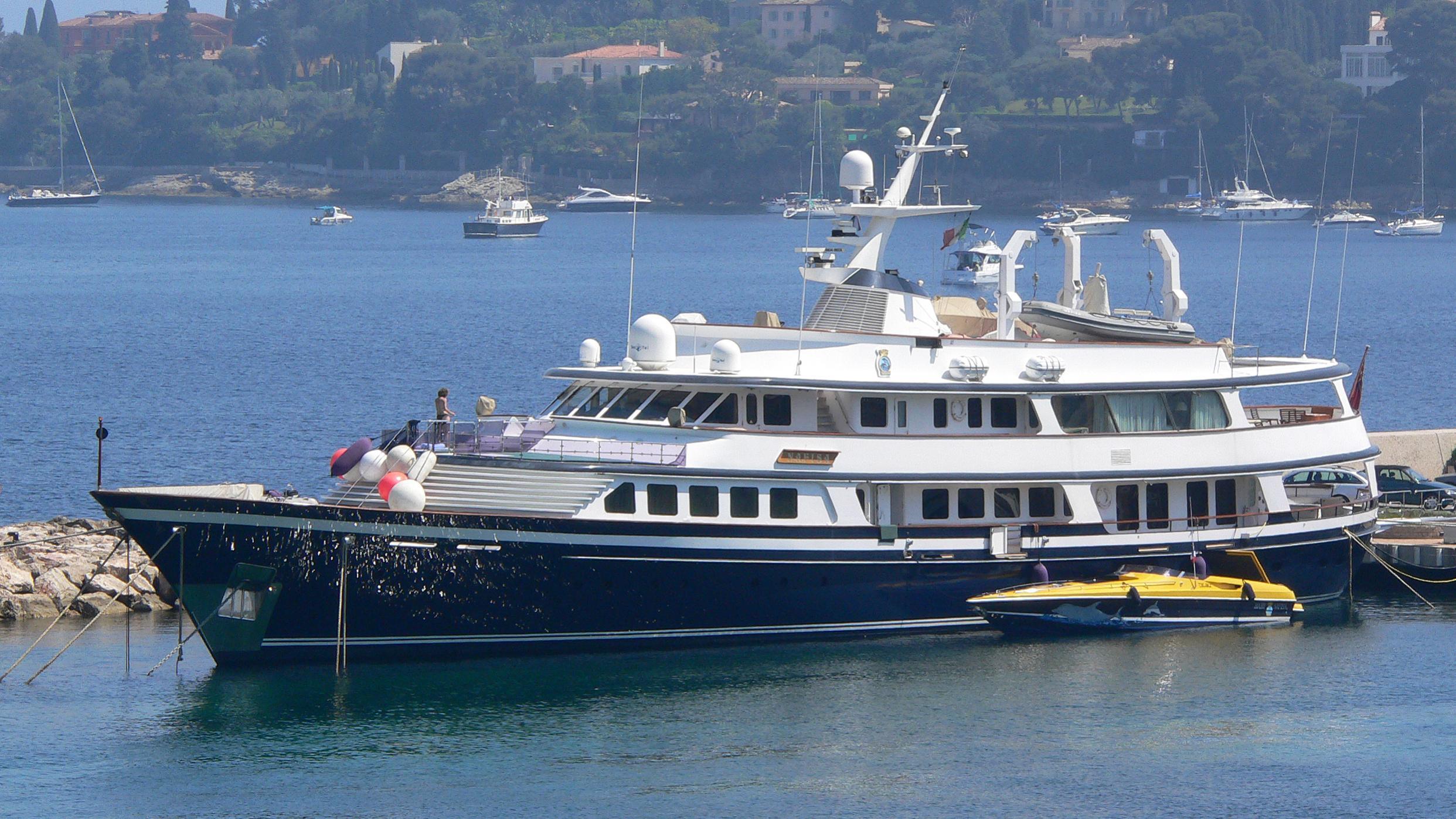 nafisa-motor-yacht-schweers-1986-49m-moored-profile