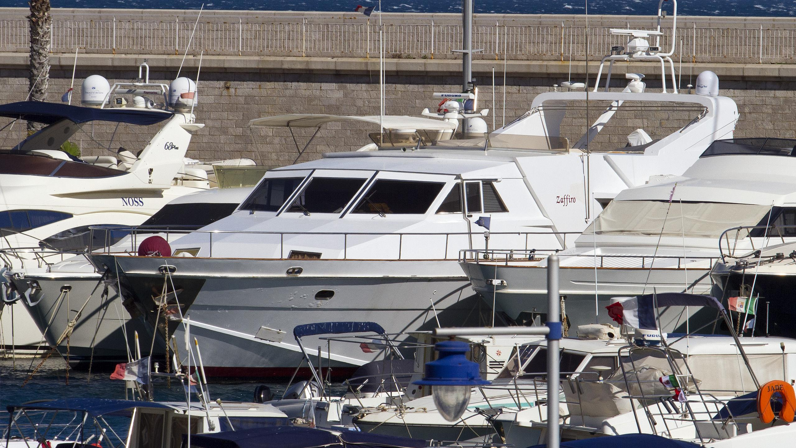zaffiro-motor-yacht-canados-90-1974-26m-half-profile