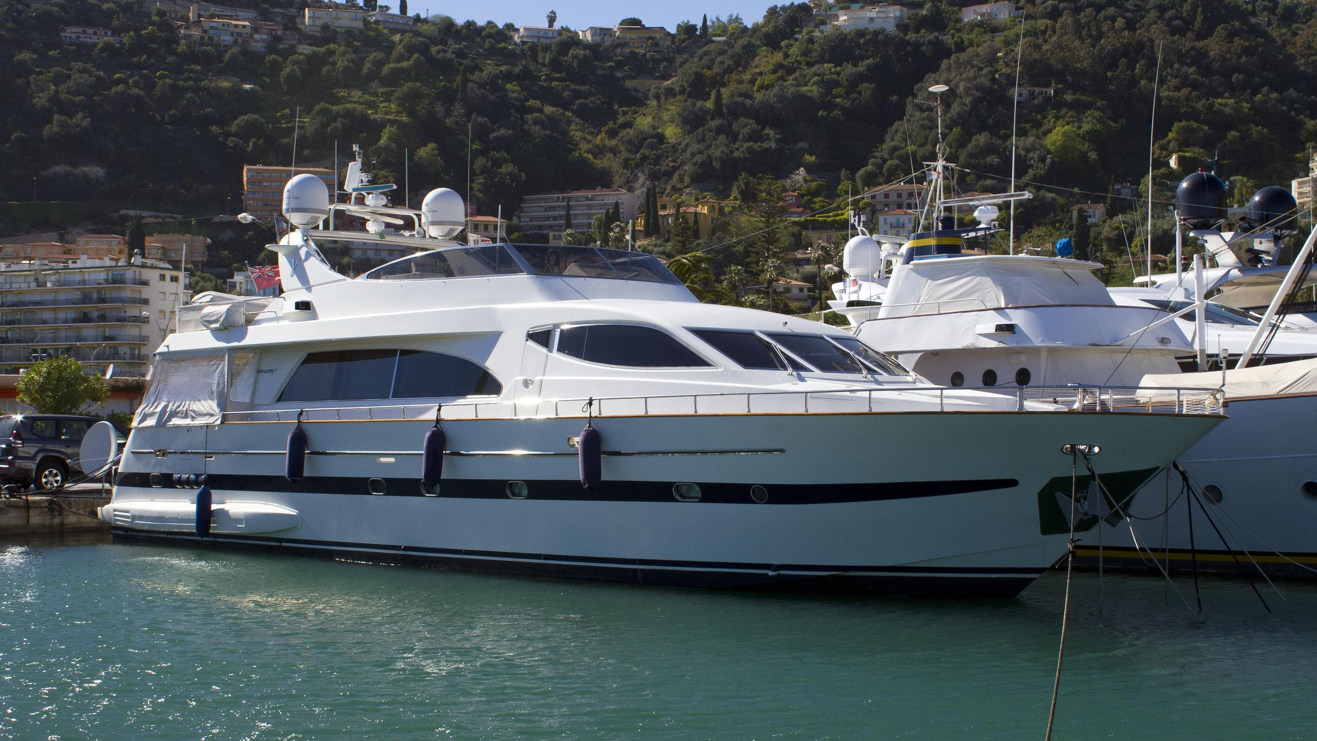 important-business-motor-yacht-falcon-86-1999-26m-half-profile