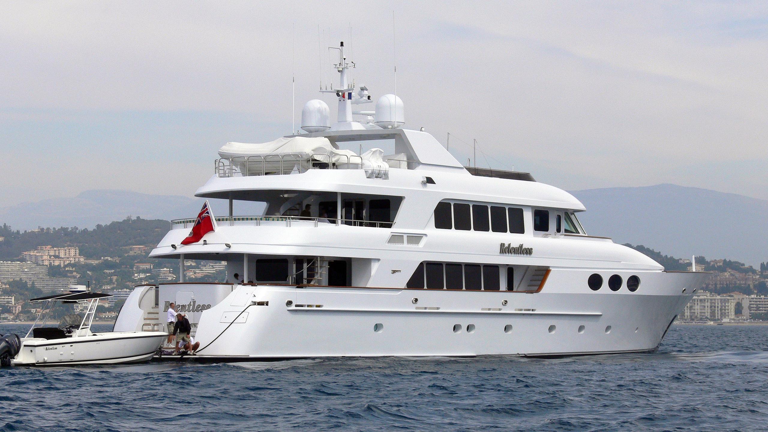relentless-motor-yacht-trinity-142-2001-43m-stern