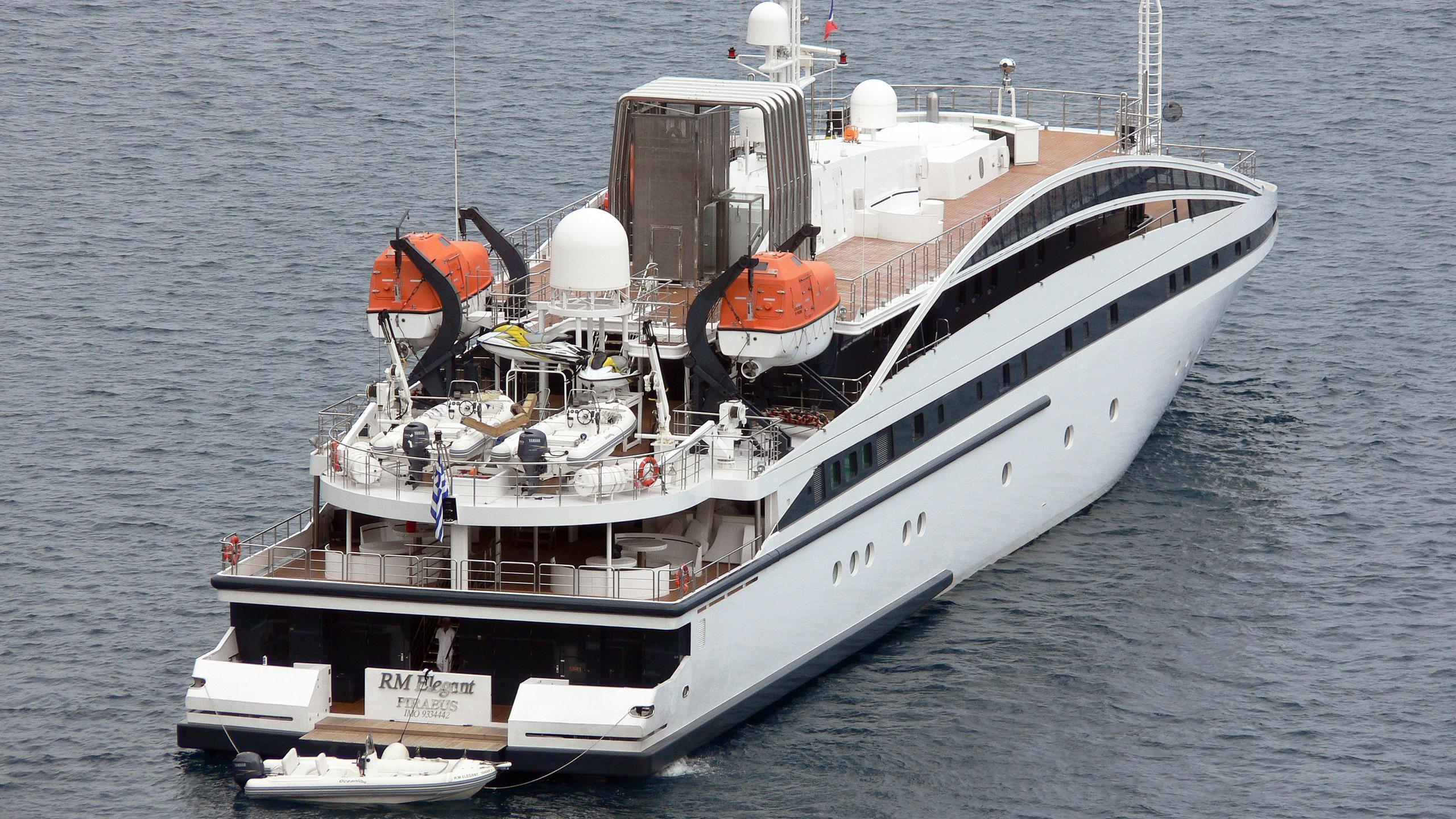 elegant-007-rm-elegant--motor-yacht-lamda-2005-72m-aerial-stern