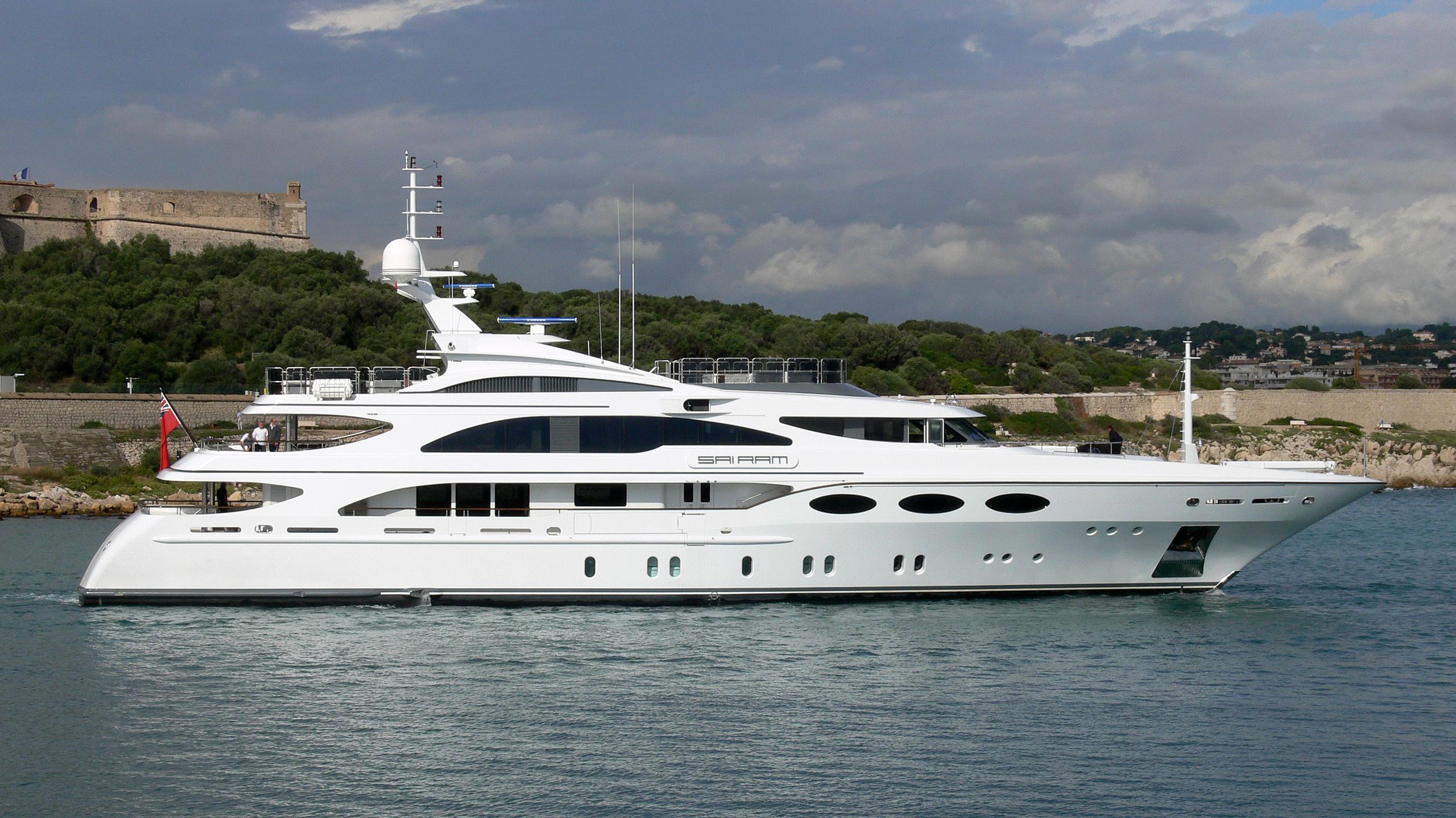 my-falcon-sai-ram-motor-yacht-benetti-2004-52m-profile