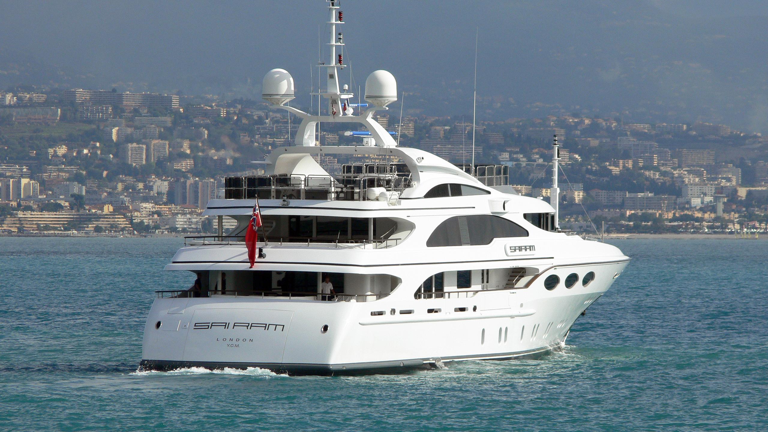my-falcon-sai-ram-motor-yacht-benetti-2004-52m-stern