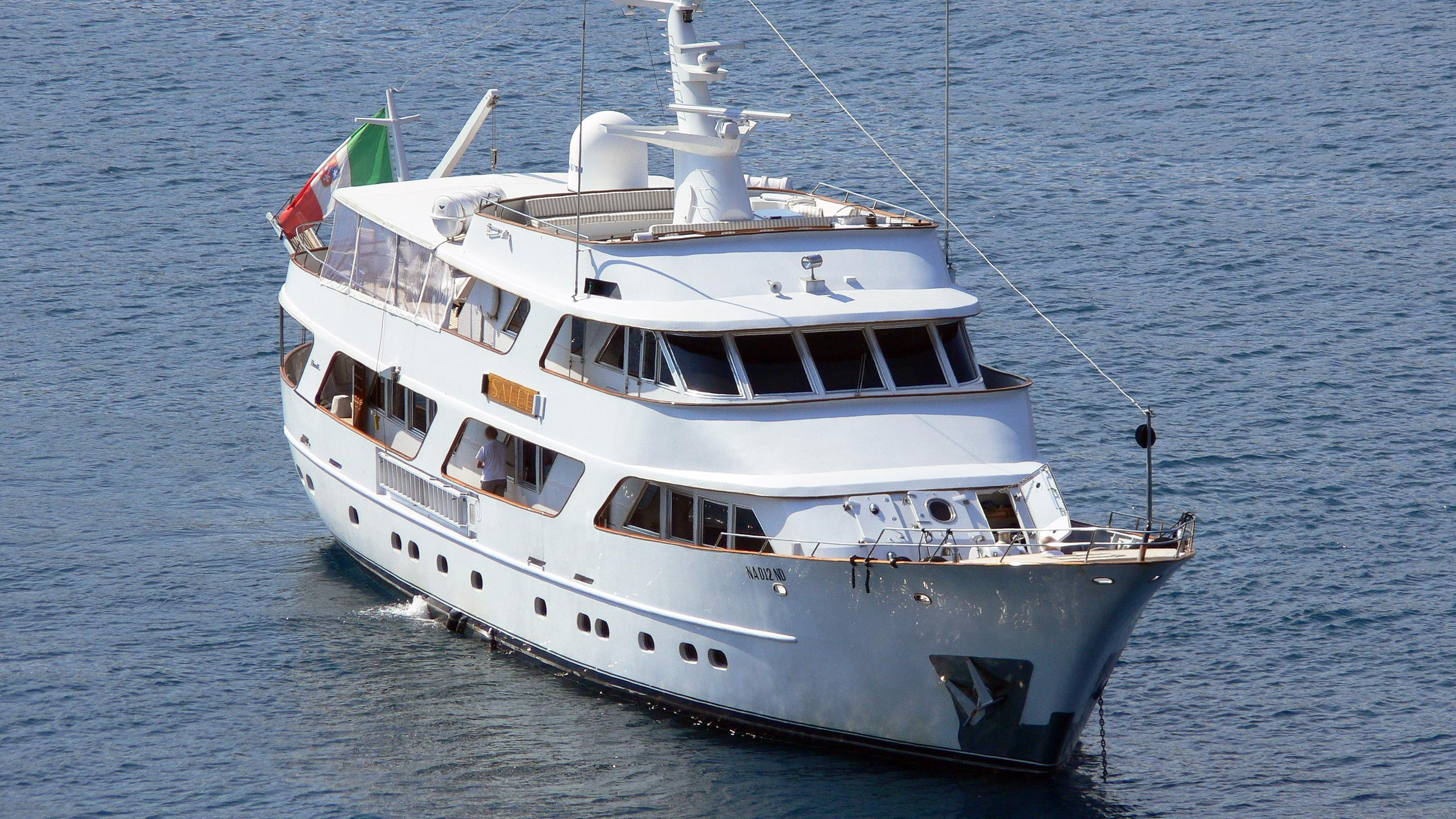 to-je-to-salee-motor-yacht-benetti-1981-35m-aerial-bow