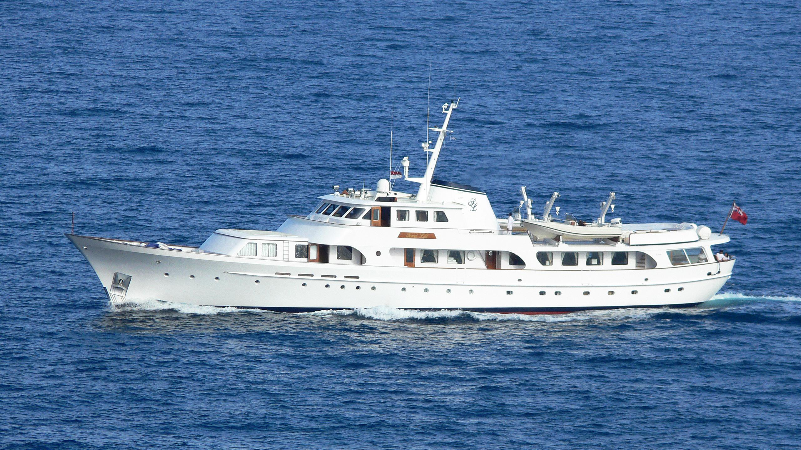 secret-life-motor-yacht-feadship-1973-45m-profile