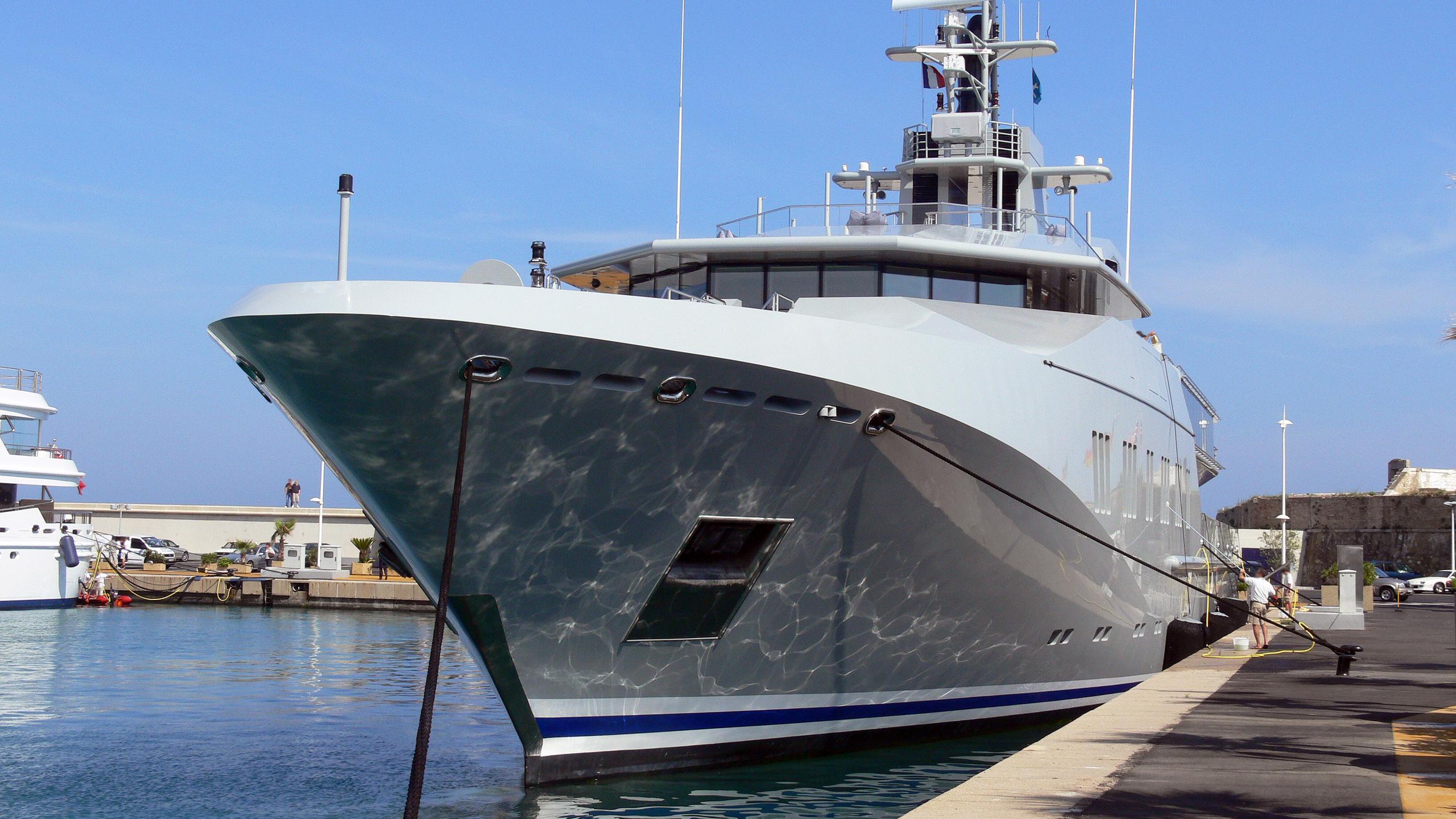skat-explorer-yacht-lurssen-2002-71m-bow