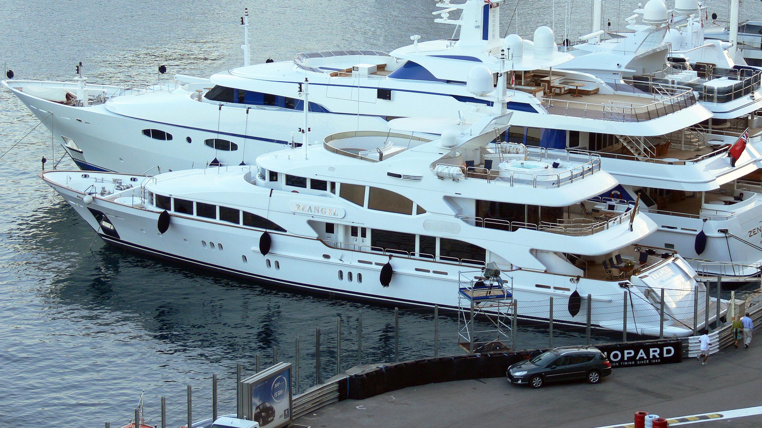 sovereign-3-motor-yacht-benetti-vision-2002-44m-profile