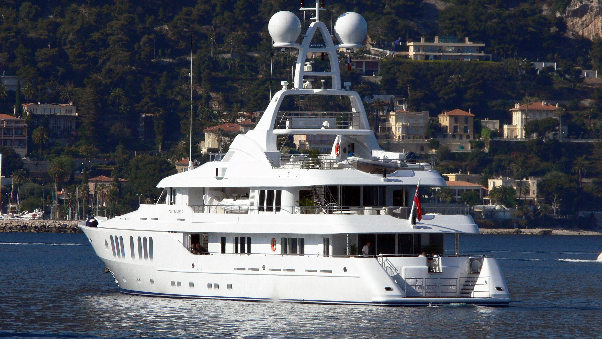 talisman-maiton-motor-yacht-turquoise-2006-54m-stern