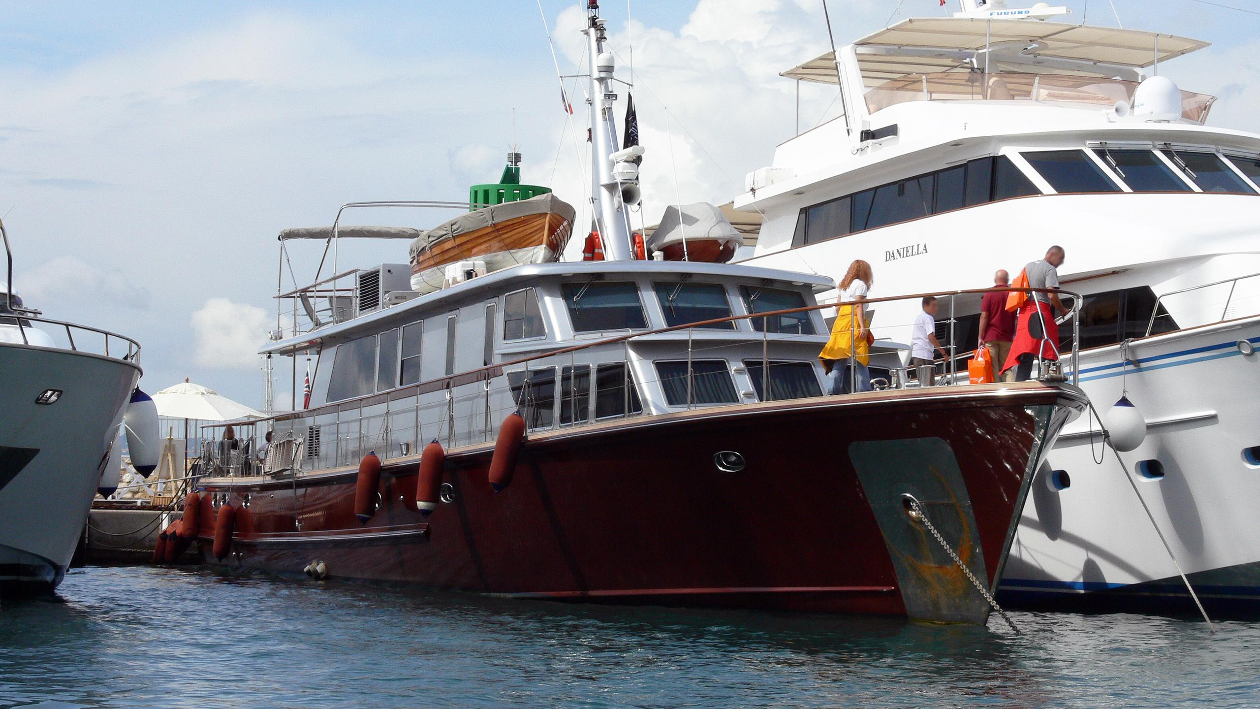 tempest-ws-motor-yacht-esterel-1963-32m-bow