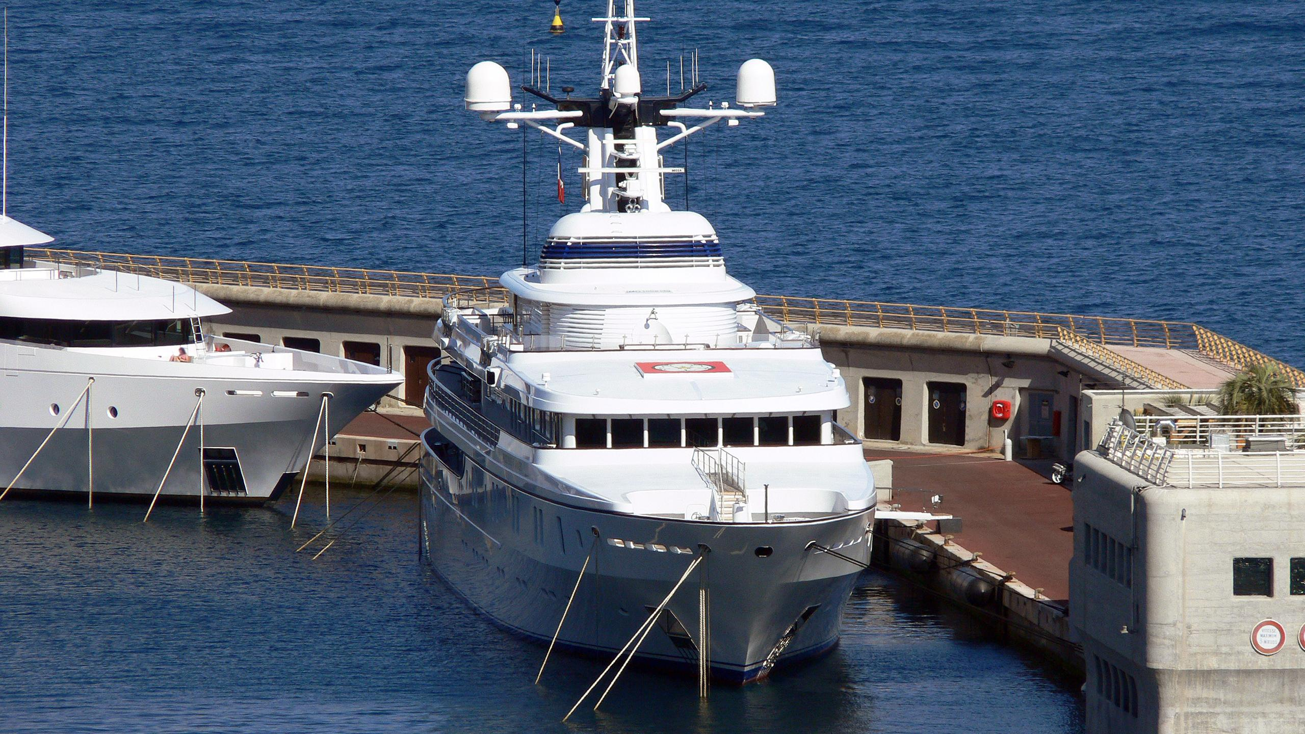 white-rose-of-drachs-motor-yacht-peterswerft-kusch-2004-65m-bow