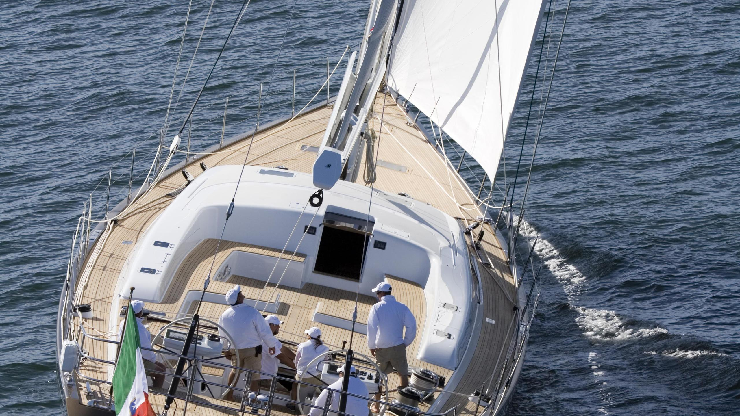 far-and-wide-sailing-yacht-southern-wind-2007-30m-stern