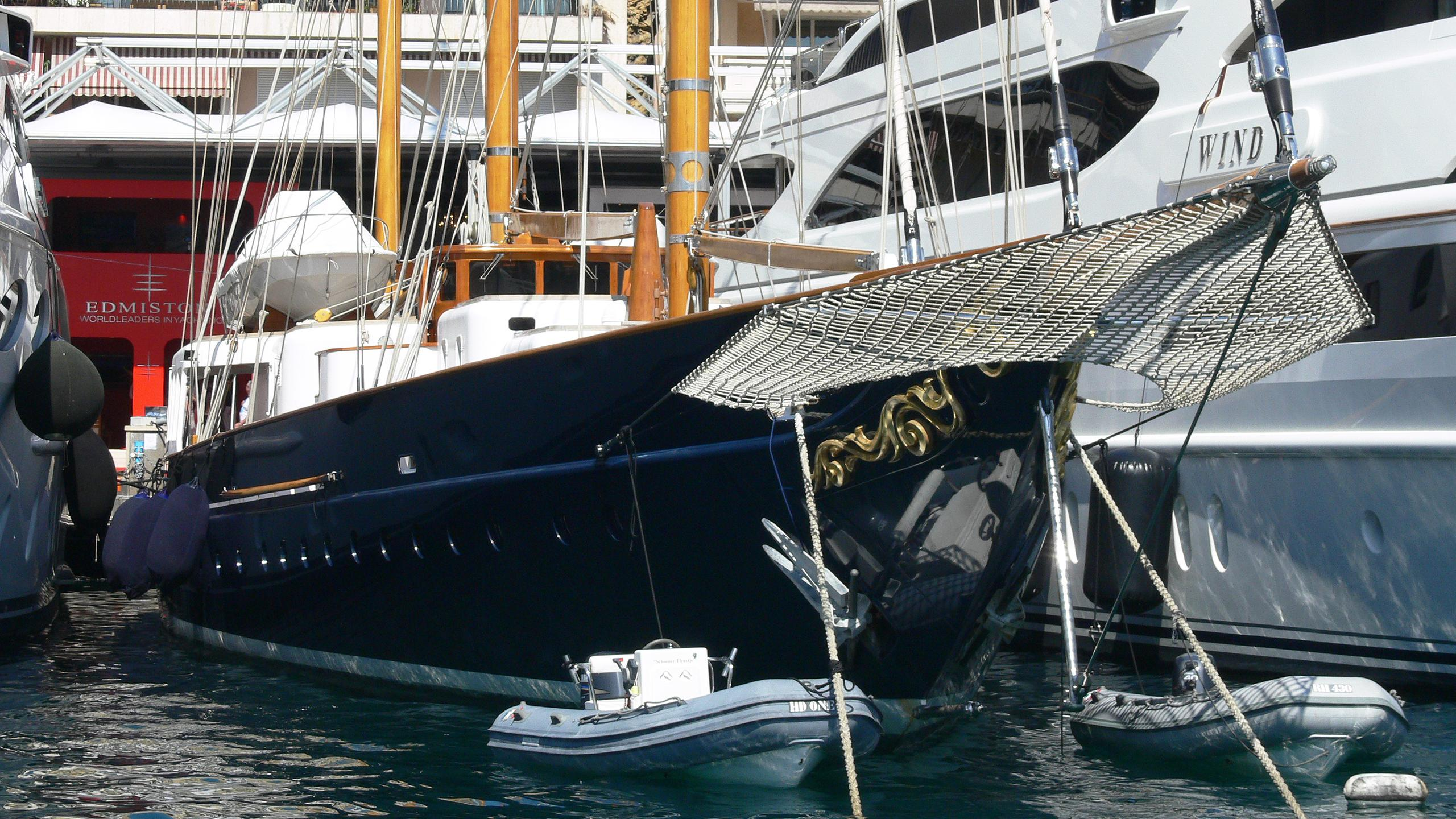 fleurtje-sailing-yacht-de-vries-lentsch-1960-57m-bow-before-refit