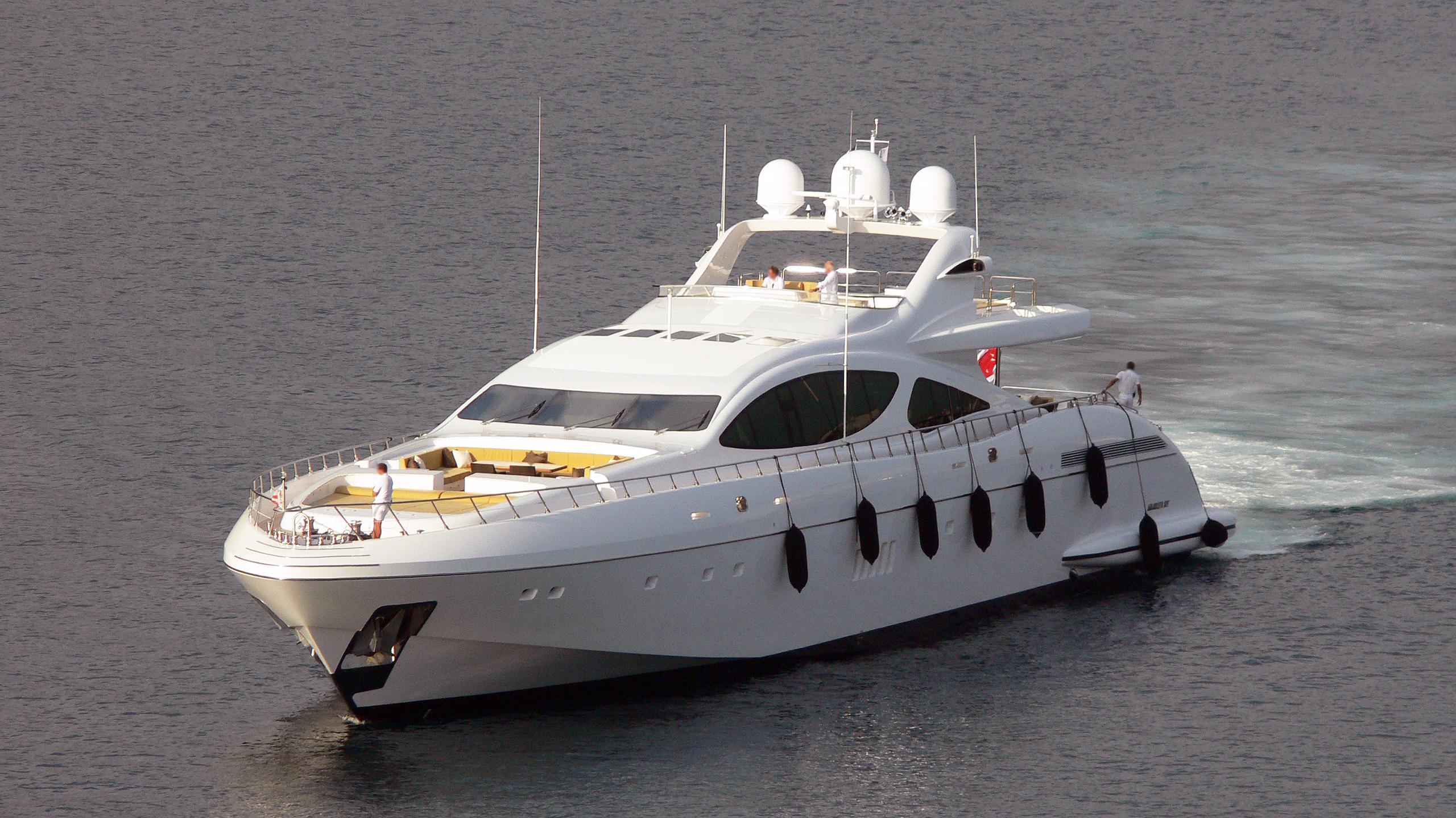 force-india-motor-yacht-overmarine-2007-50m-bow