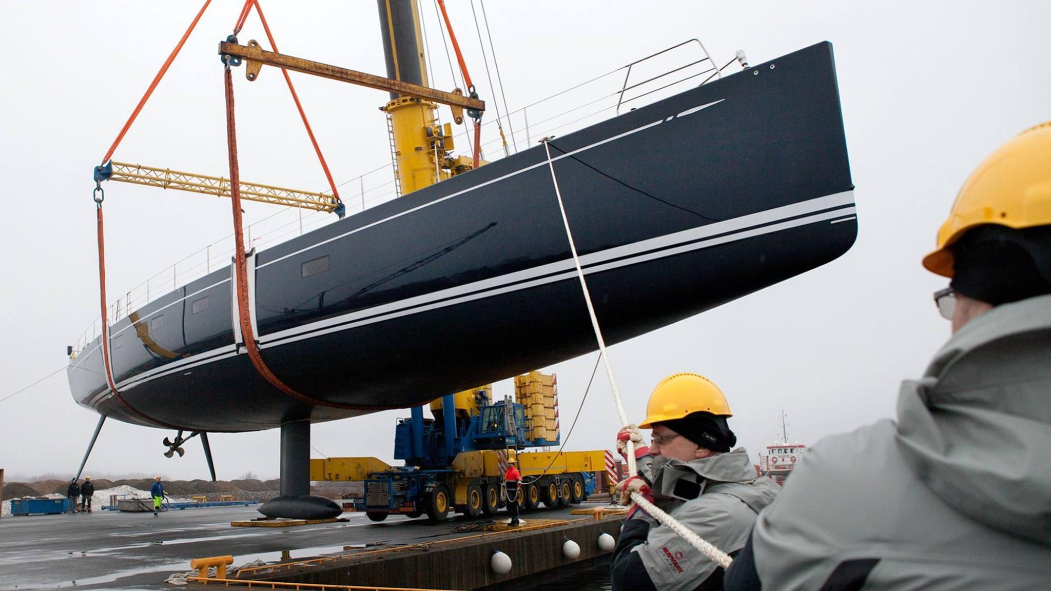 shamanna-motor-yacht-nautors-swan-115-fb-2016-35m-shipyard-profile-hull