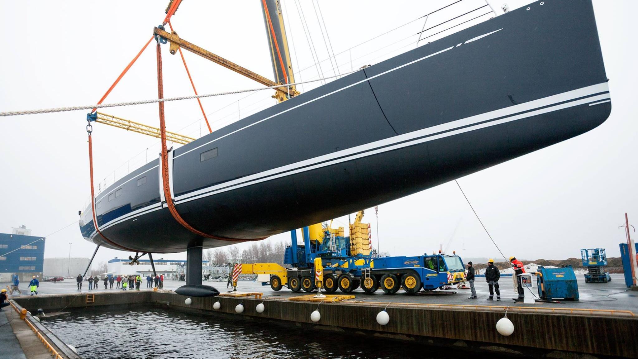 shamanna-motor-yacht-nautors-swan-115-fb-2016-35m-shipyard-hull