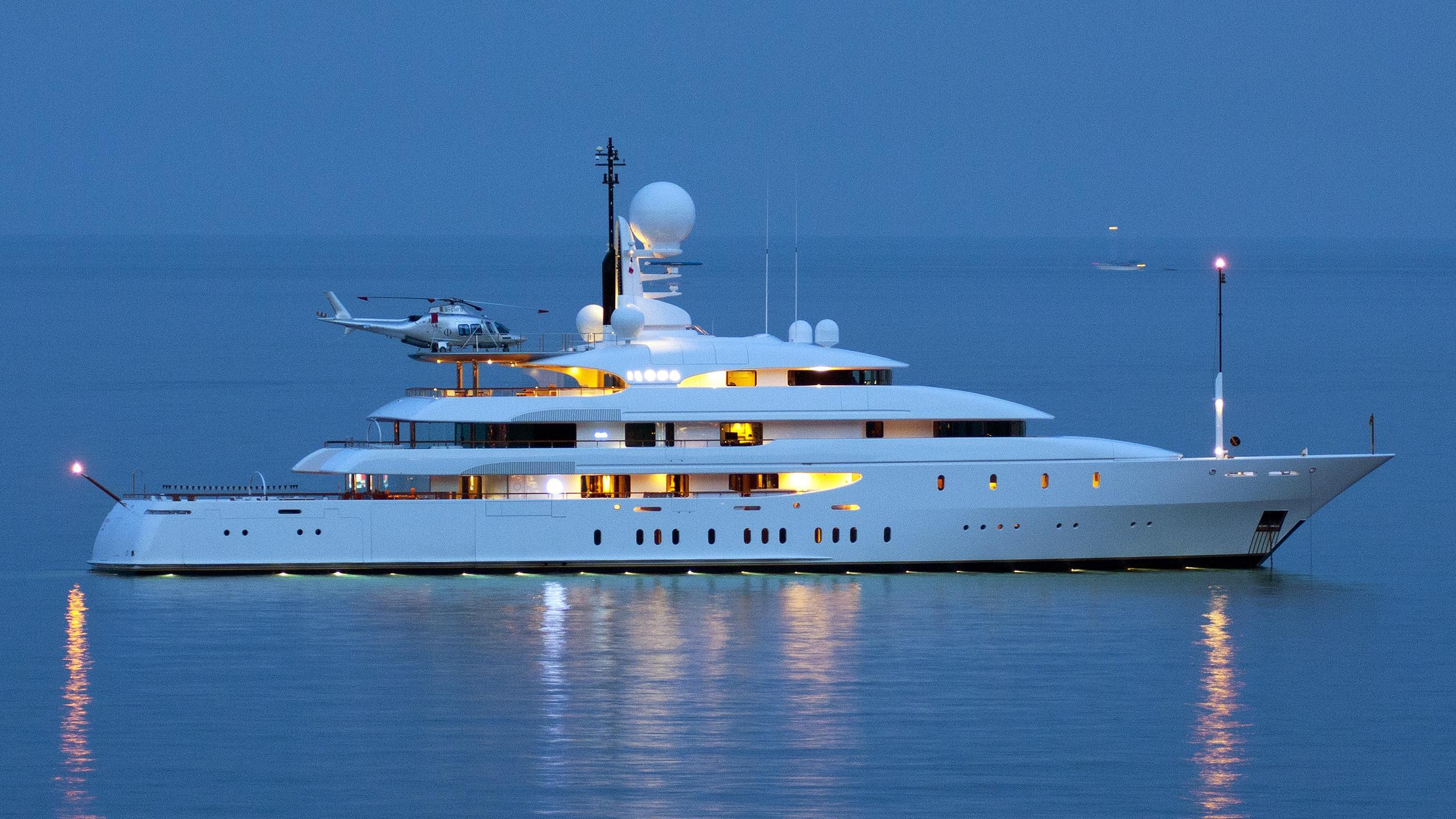 ilona-motor-yacht-amels-2003-74m-profile-by-night