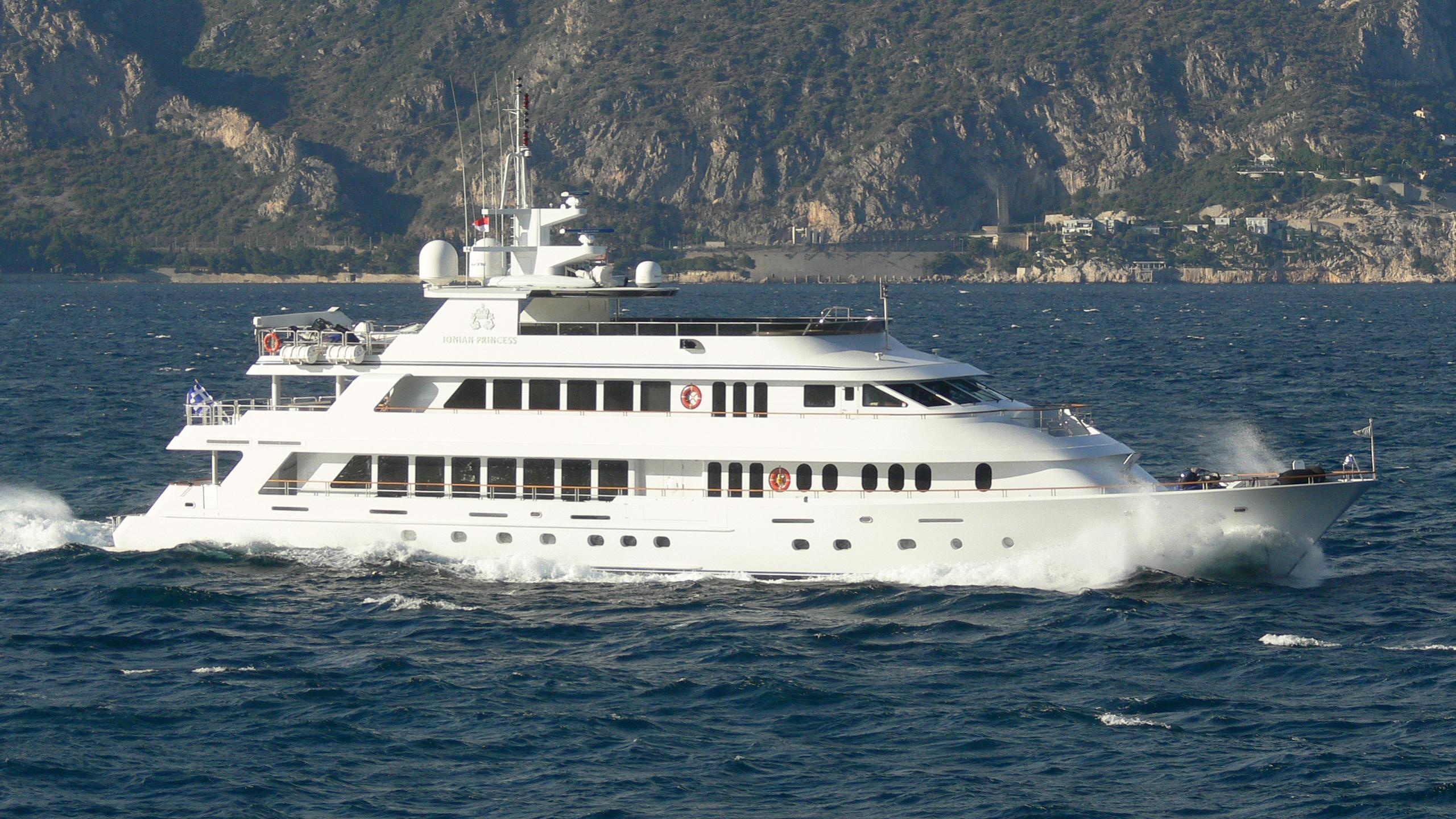 ionian-princess-motor-yacht-christensen-palmer-johnson-savannah-2005-46m-cruising