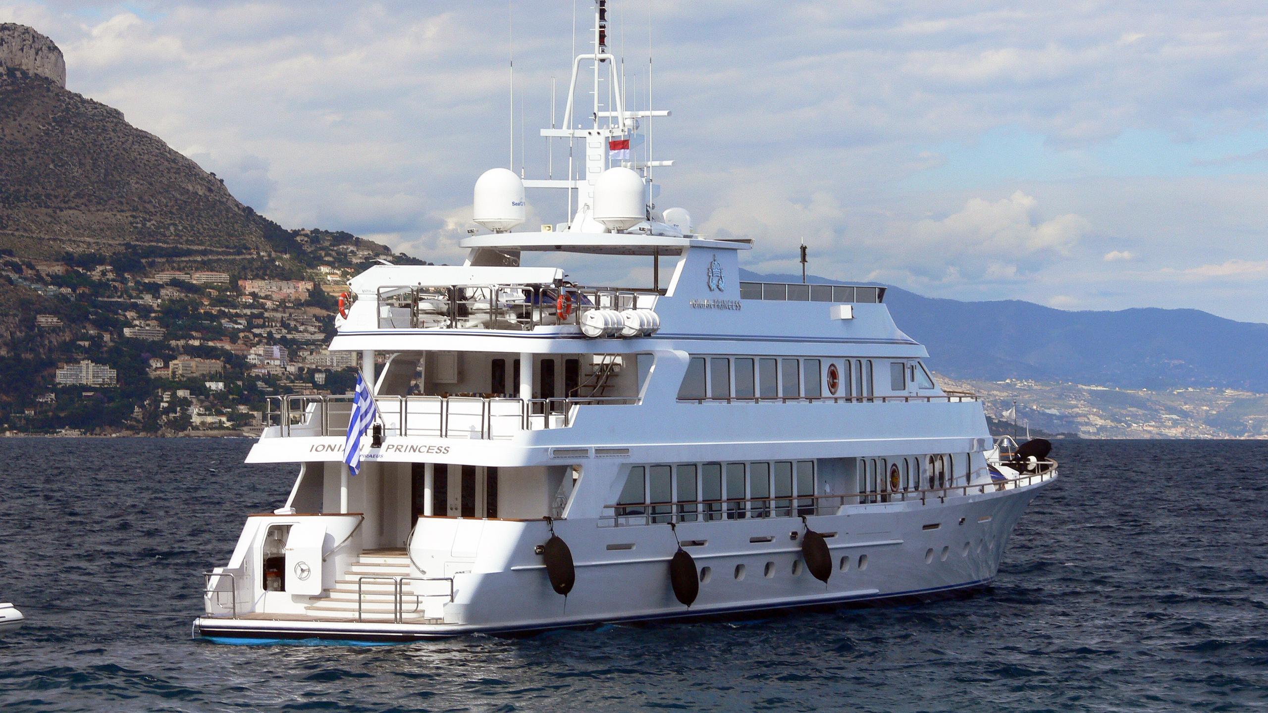 ionian-princess-motor-yacht-christensen-palmer-johnson-savannah-2005-46m-stern