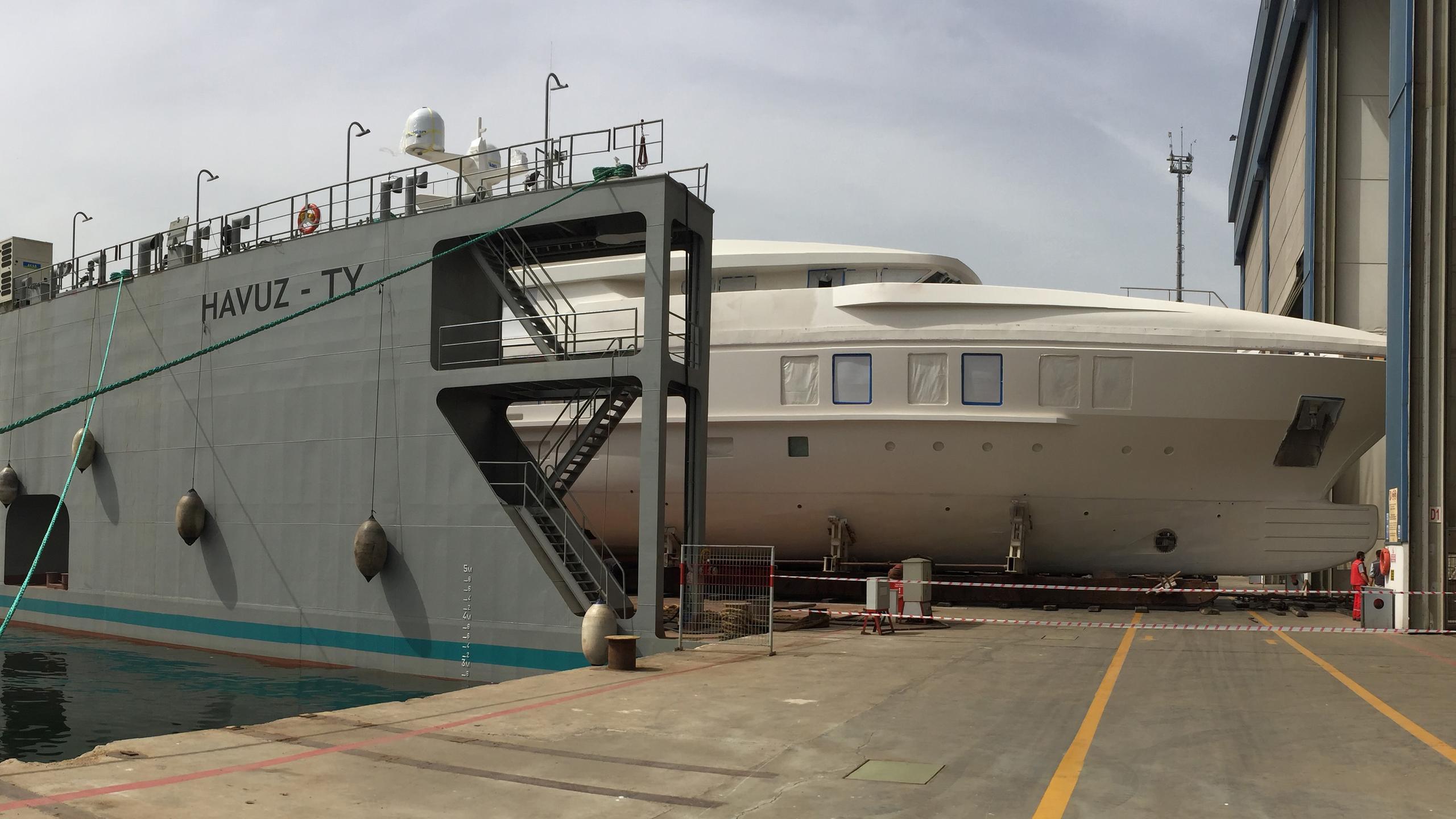 turquoise-nb-60-motor-yacht-2016-47m-bow-shipyard