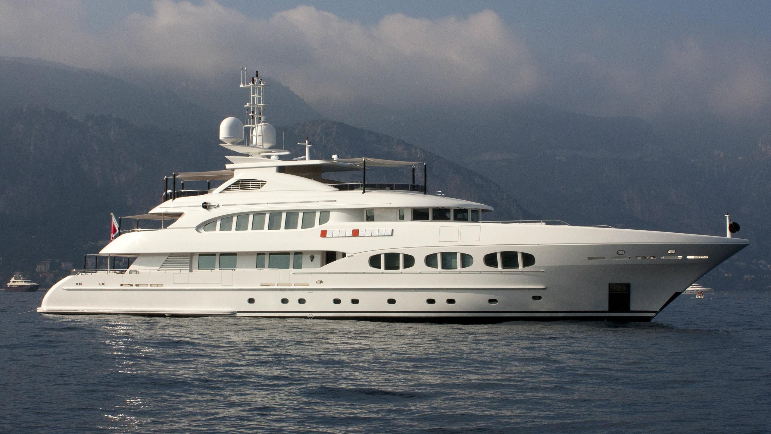 odyssea-como-lady-petra-motor-yacht-heesen-2012-47m-profile