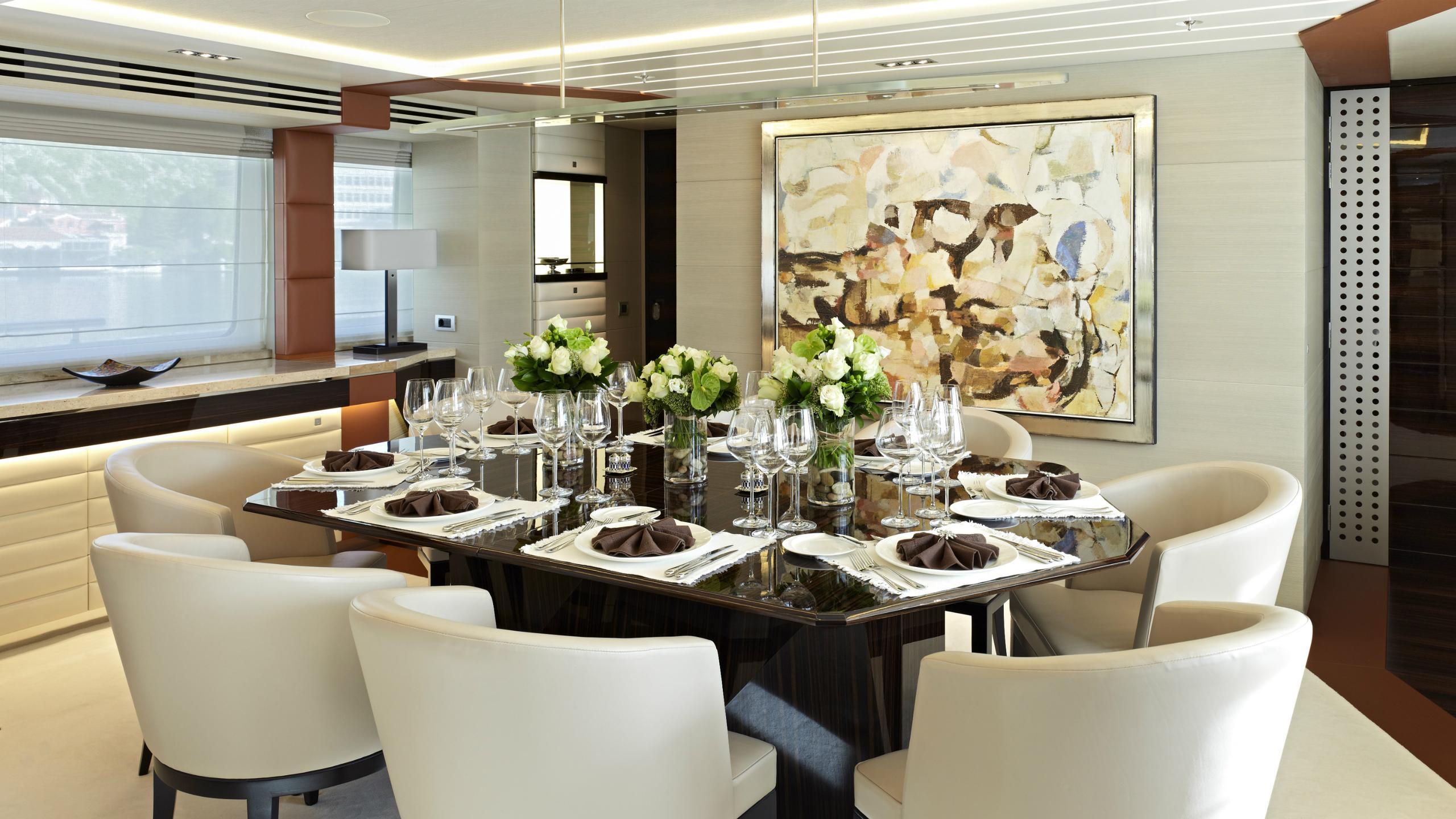 odyssea-como-lady-petra-motor-yacht-heesen-2012-47m-dining-room