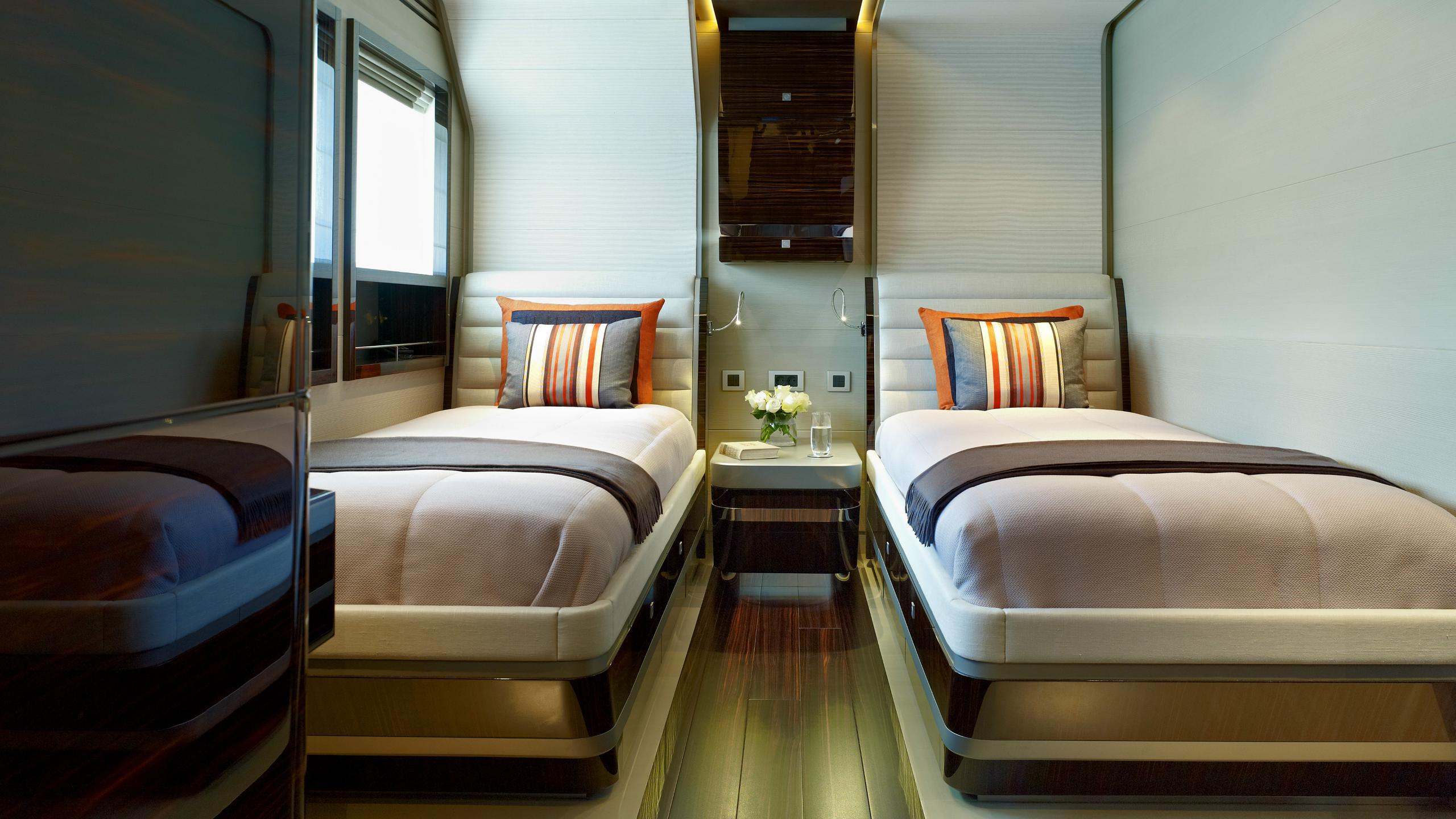 odyssea-como-lady-petra-motor-yacht-heesen-2012-47m-twin-room