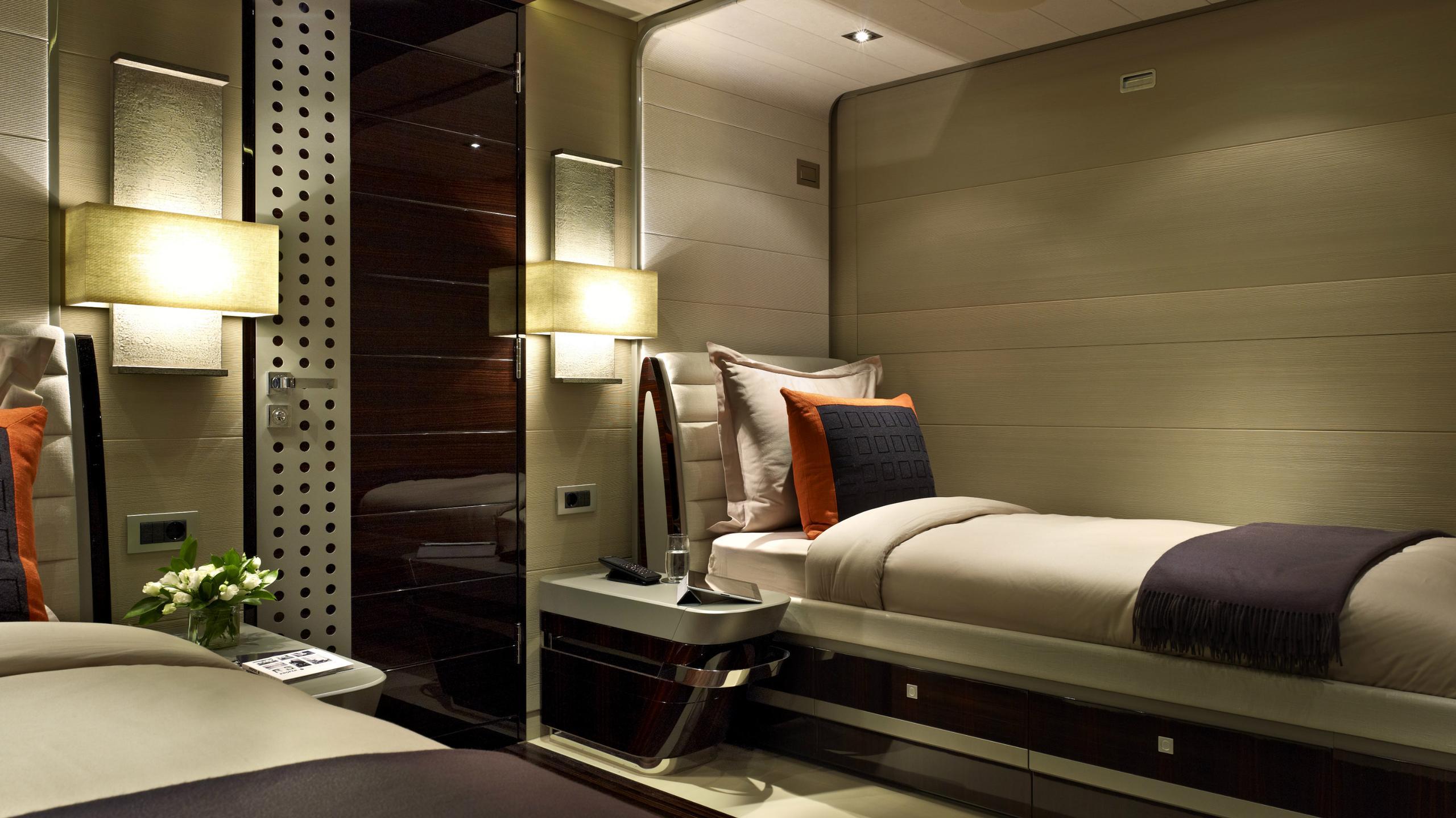 odyssea-como-lady-petra-motor-yacht-heesen-2012-47m-half-room