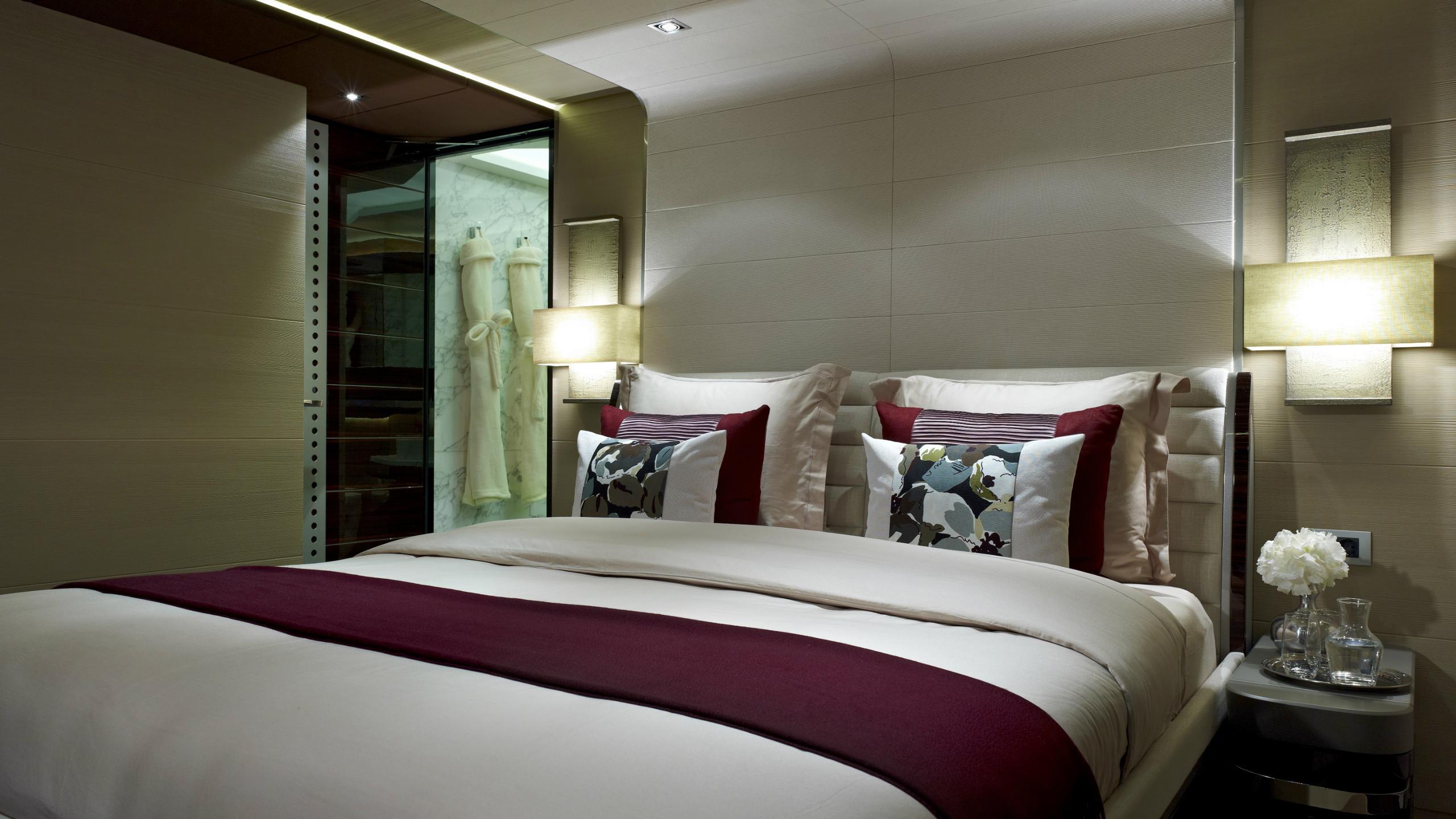 odyssea-como-lady-petra-motor-yacht-heesen-2012-47m-double-bedroom