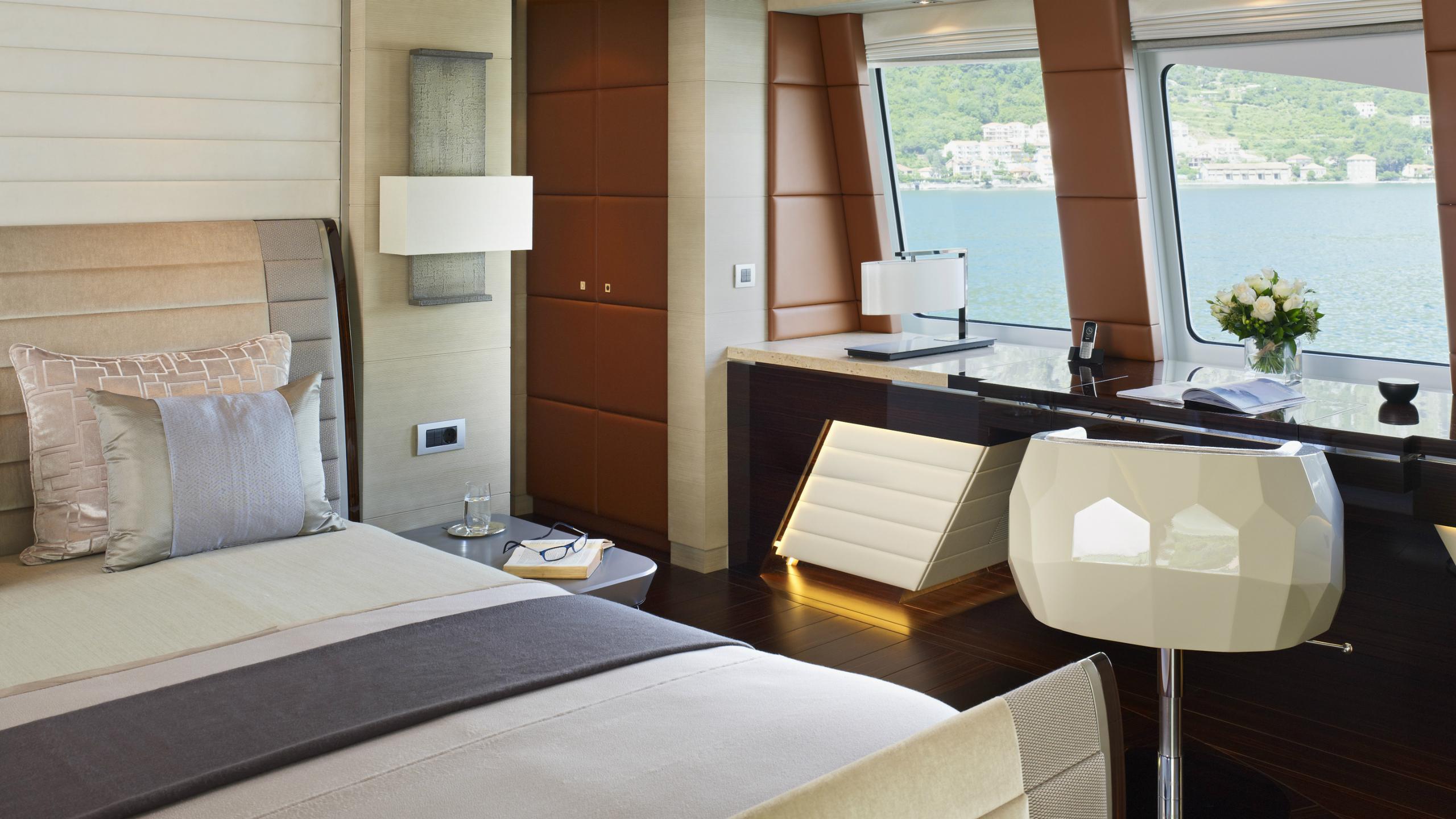 odyssea-como-lady-petra-motor-yacht-heesen-2012-47m-cabin