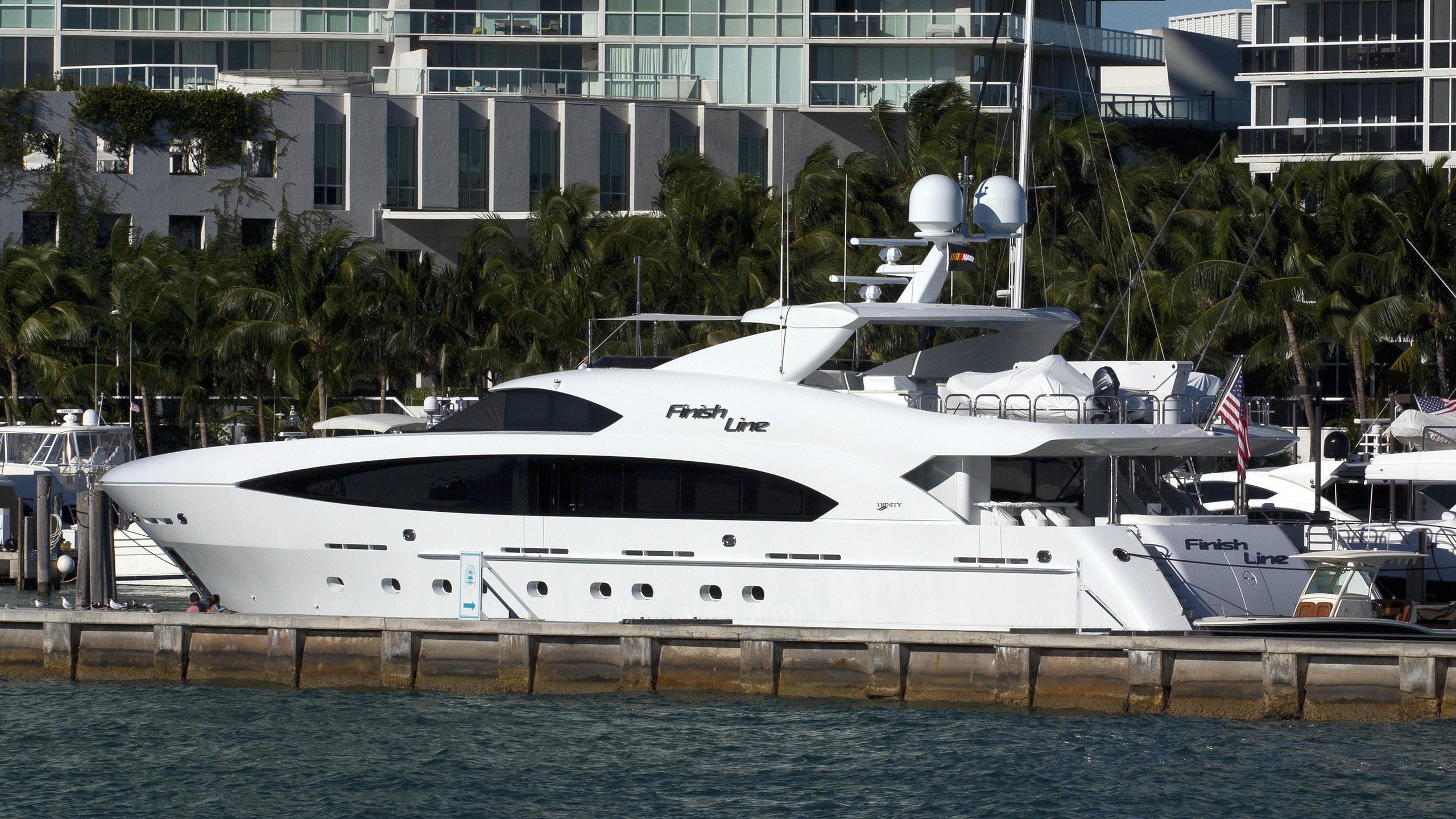 finish-line-motor-yacht-trinity-2013-37m-moored-profile