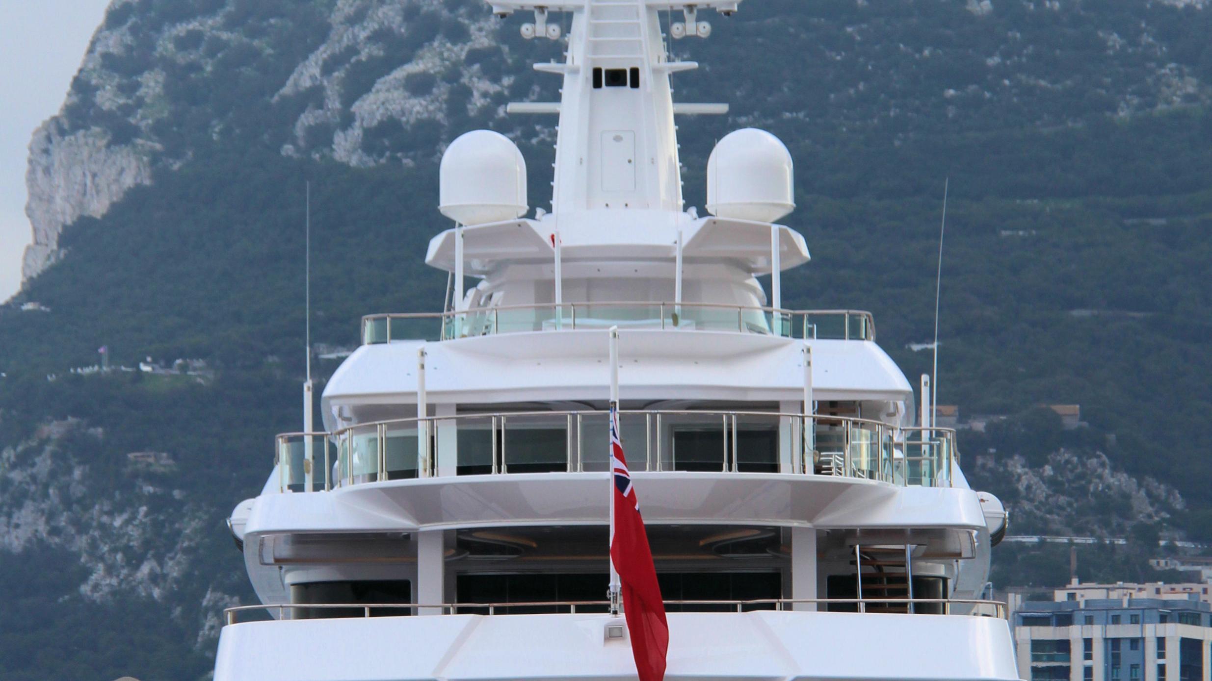 chopi-chopi-motor-yacht-crn-2013-80m-stern